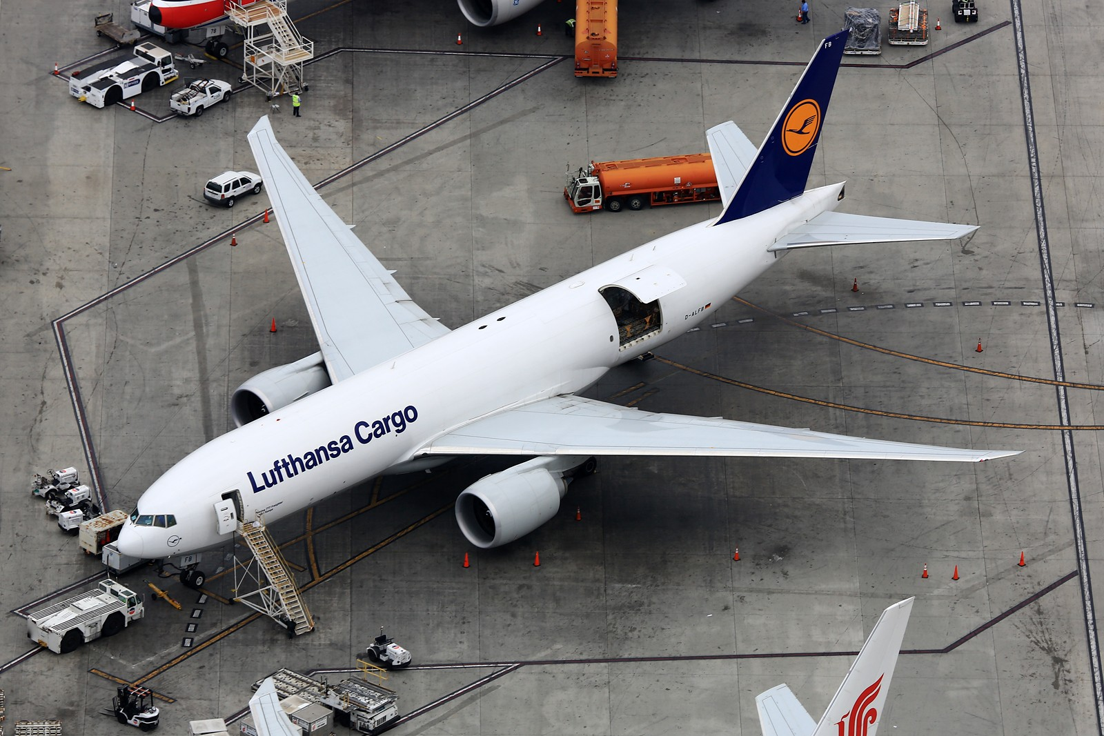 Re:[原创]【LAX】**********777级了,空对空&空对地部分777合集[1600*1067]********** BOEING 777-FBT D-ALFB 美国洛杉矶机场