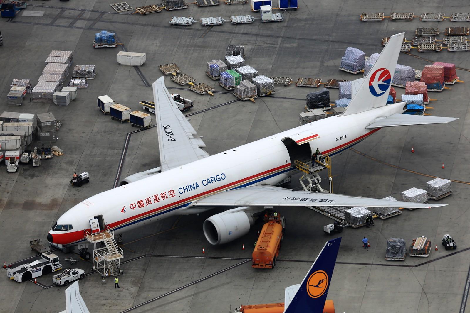 Re:[原创]【LAX】**********777级了,空对空&空对地部分777合集[1600*1067]********** BOEING 777-F6N B-2078 美国洛杉矶机场