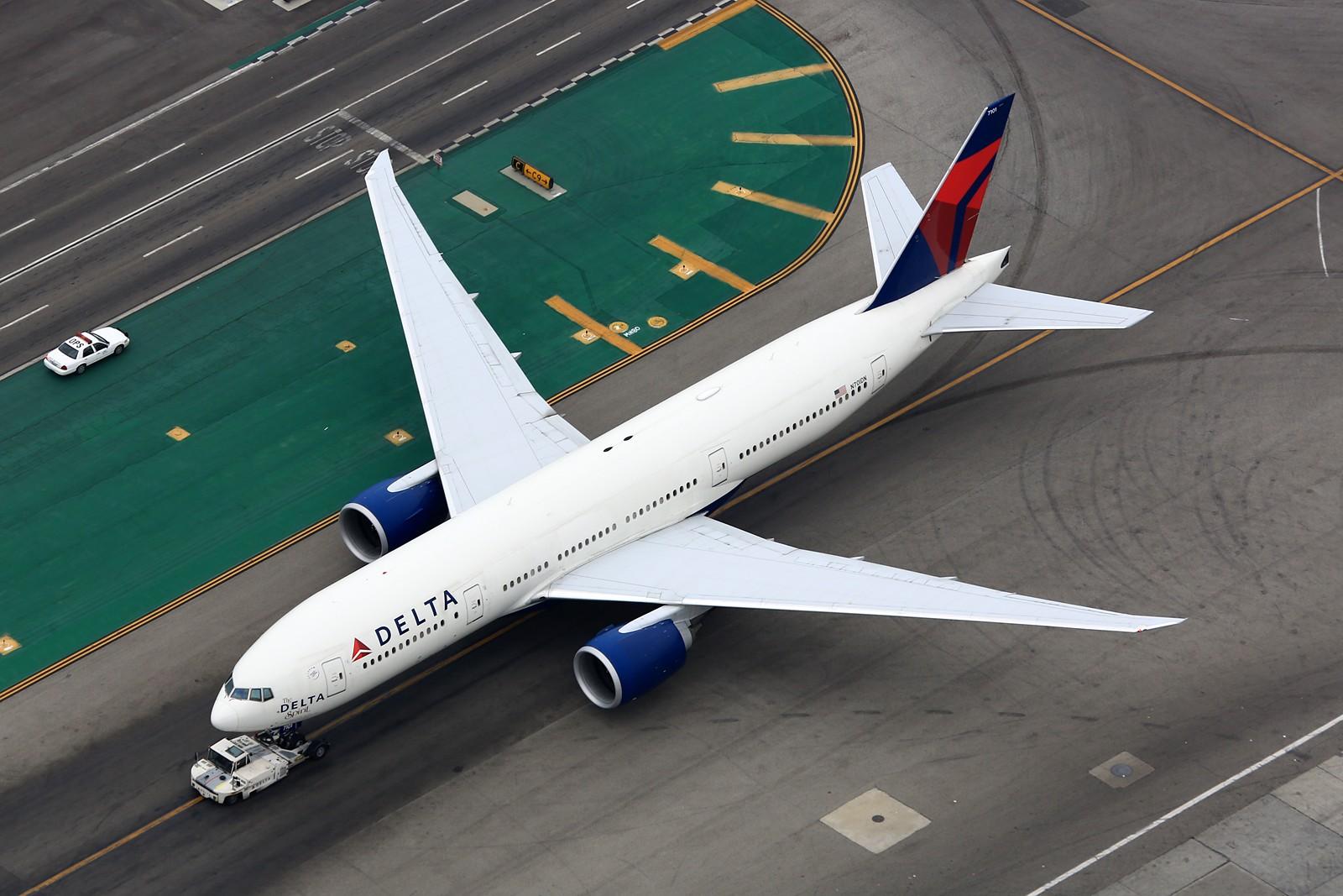 Re:[原创]【LAX】**********777级了,空对空&空对地部分777合集[1600*1067]********** BOEING 777-200LR N701DN 美国洛杉矶机场