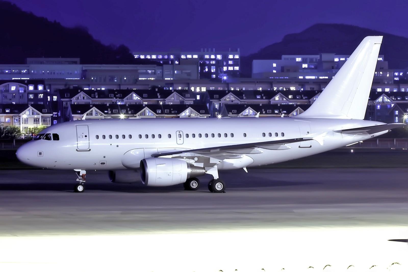 Re:[原创][DLC]夜景专帖…...连载中…... AIRBUS A318 VP-CBY 中国大连周水子国际机场