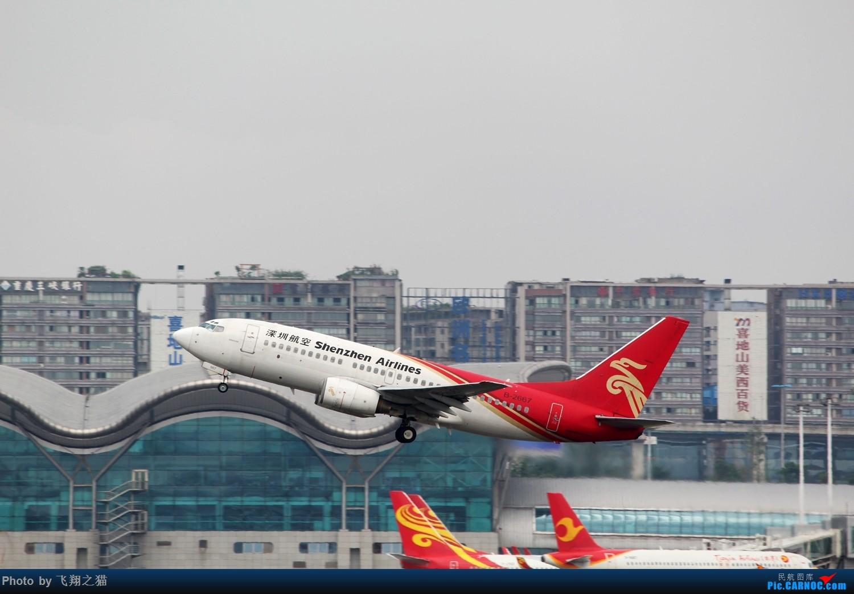 Re:[原创]CKG拍机(周末交作业反推位杂图) BOEING 737-700 B-2667 重庆江北国际机场