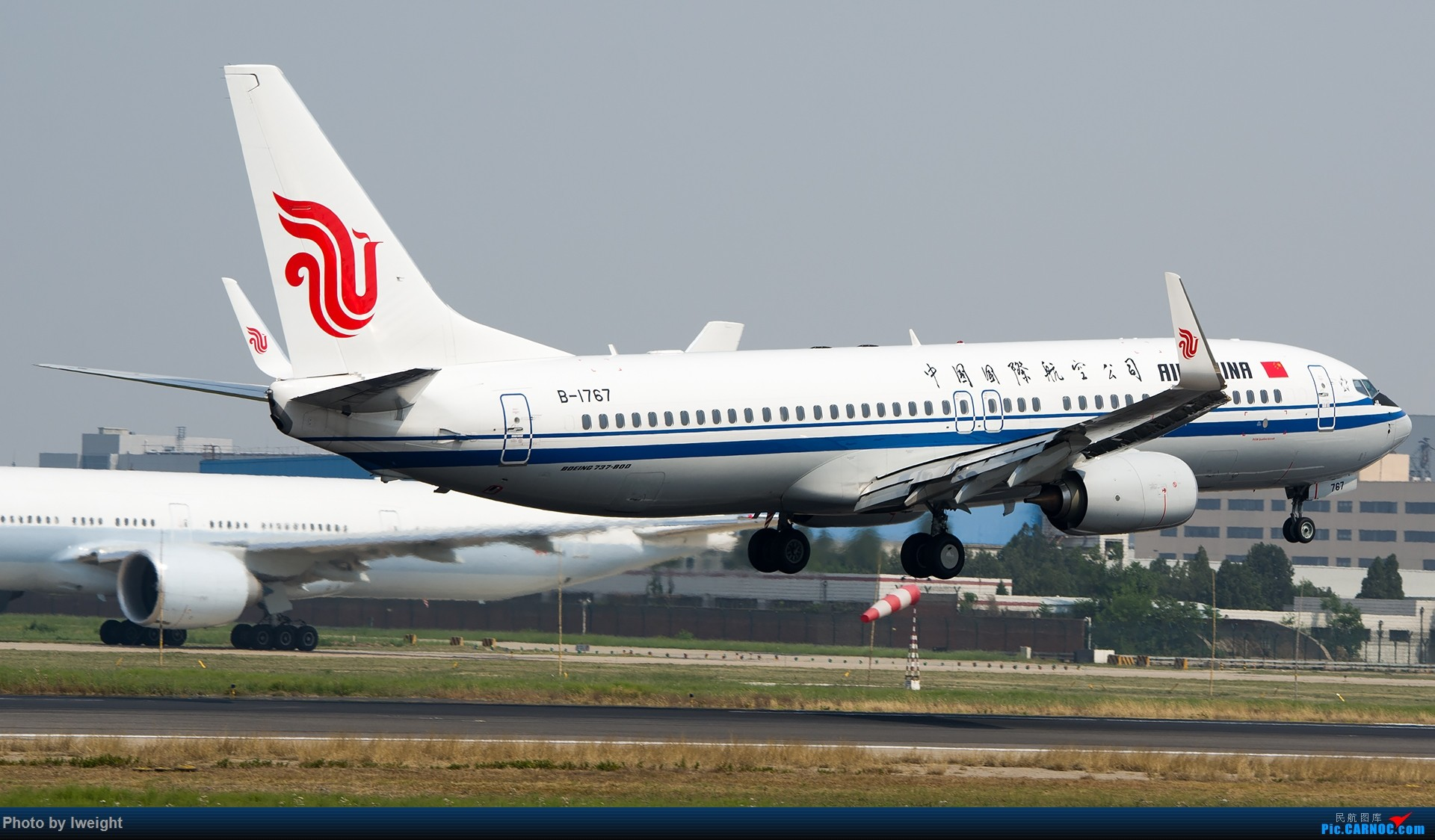 Re:[原创]周末帝都霾天拍机,凑合看看吧【2015-5-23】 BOEING 737-800 B-1767 中国北京首都国际机场