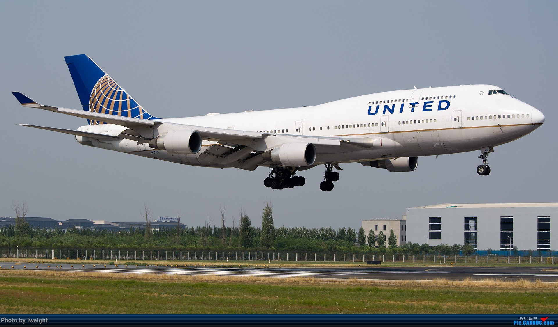 Re:[原创]周末帝都霾天拍机,凑合看看吧【2015-5-23】 BOEING 747-400 N117UA 中国北京首都国际机场