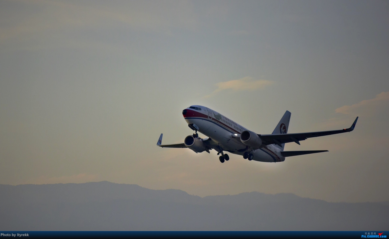 Re:[原创]【5.23LUM】玩腻了楼顶拍,来一次现场版的!求小飞机 BOEING 737-700 B-5259 中国芒市机场