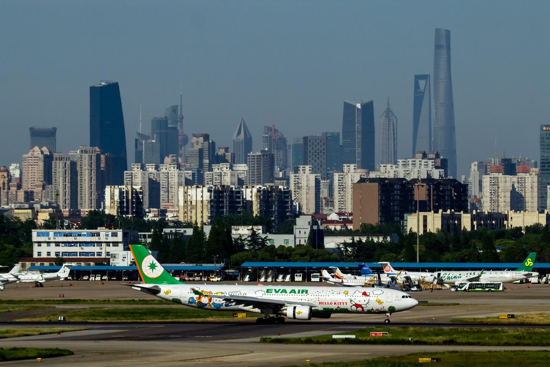 好天气才是硬道理 AIRBUS A330-300 B-16331 中国上海虹桥国际机场