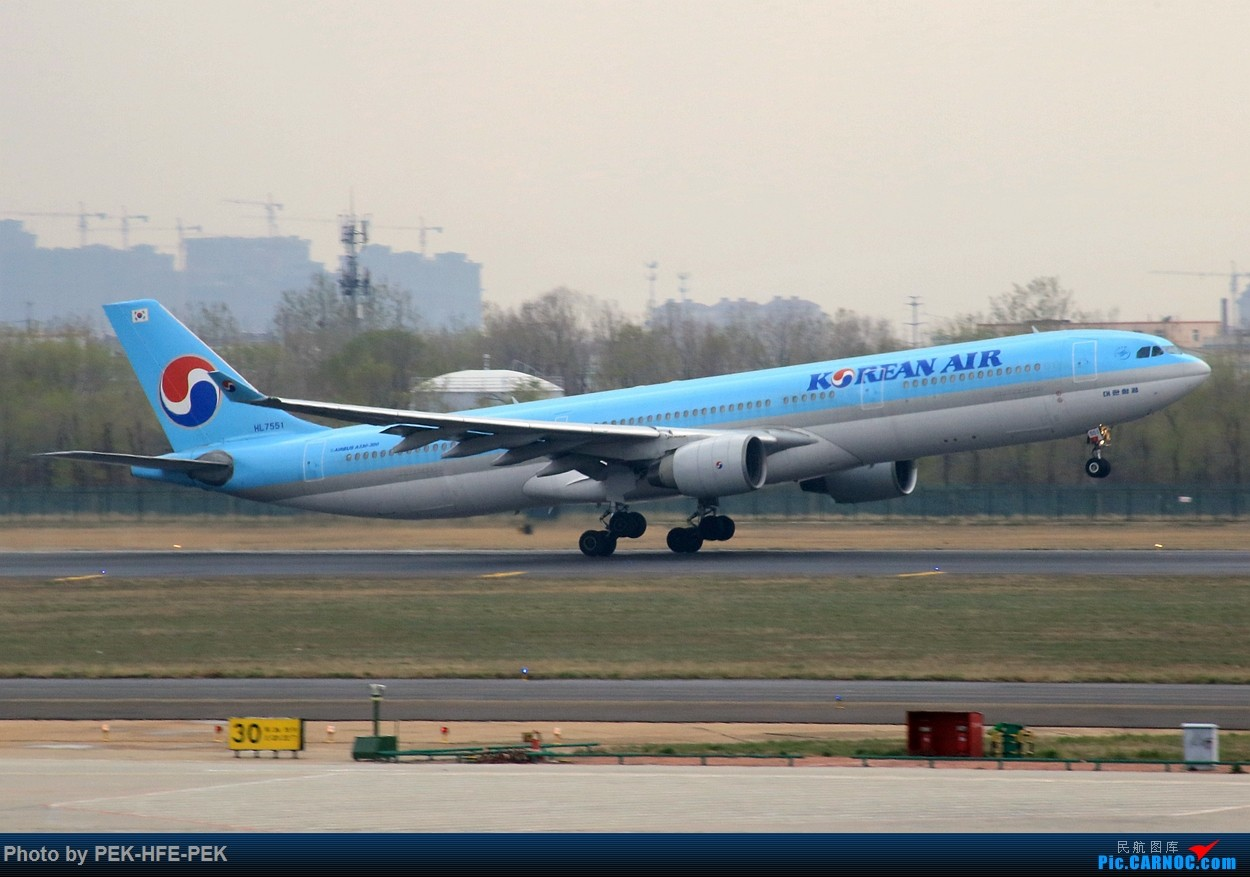 Re:[原创]【AutumnKwok】严重拖延症。。。四月青岛行拍机成果外加来回程的一些图。解决了不少以前没拍过的货~ AIRBUS A330-300 HL7551 TAO
