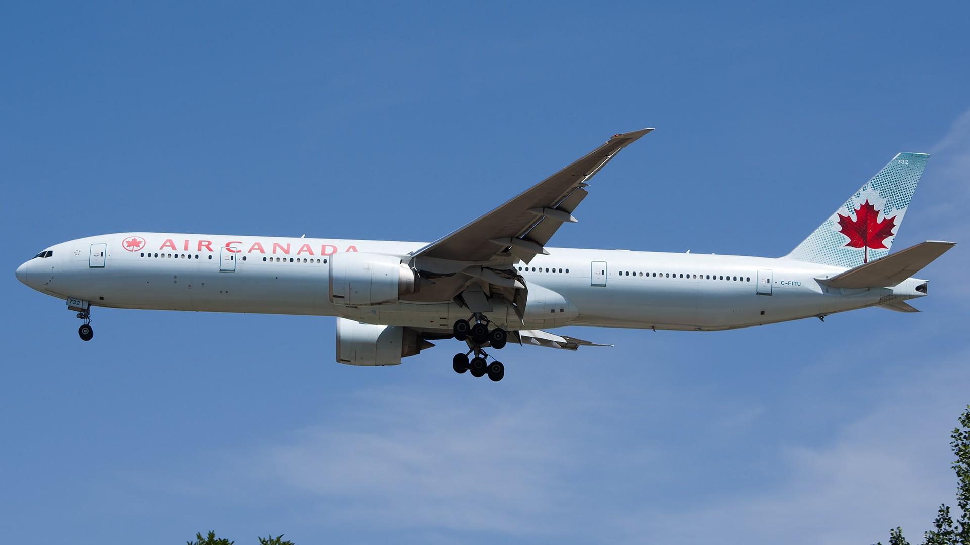 Re:[原创]PEK01午后两小时抓拍,其实是为AA的One World来的 BOEING 777-300ER C-FITU 中国北京首都国际机场