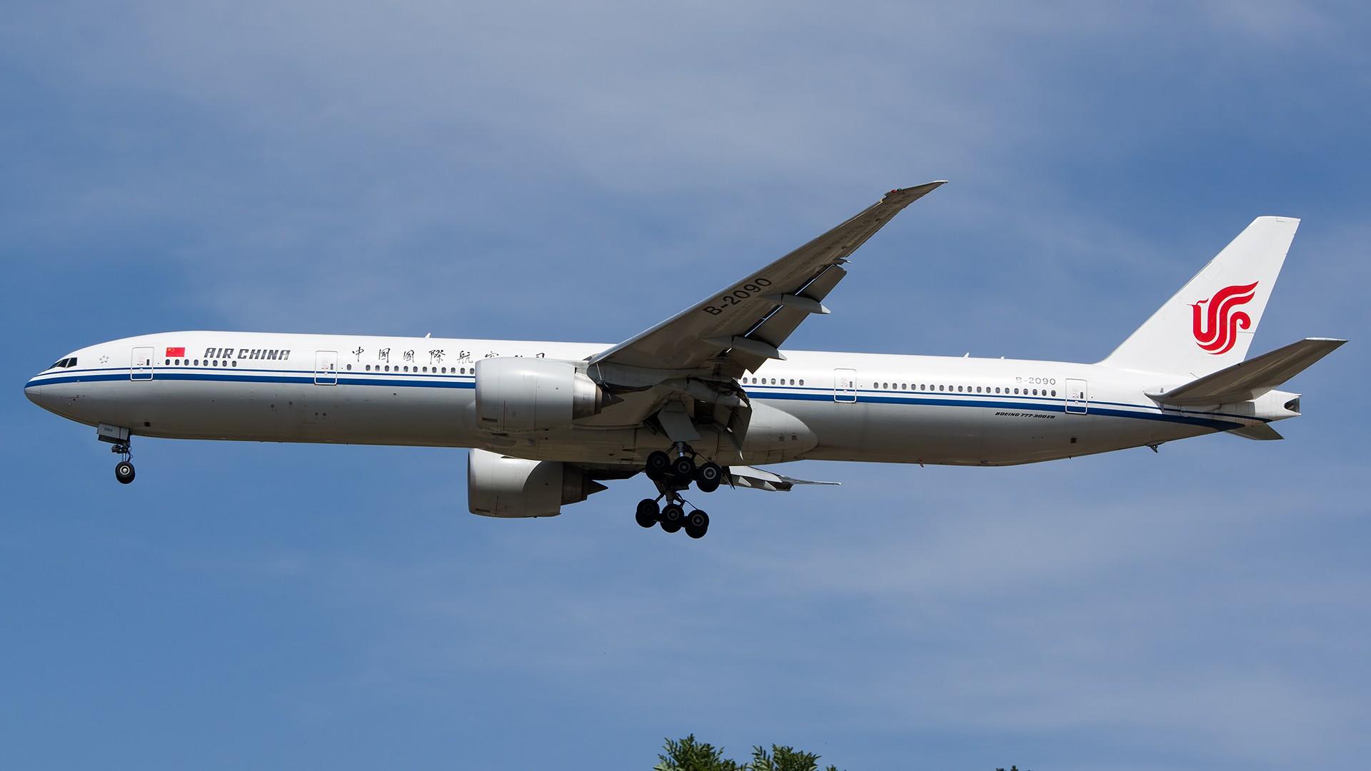 Re:[原创]PEK01午后两小时抓拍,其实是为AA的One World来的 BOEING 777-300ER B-2090 中国北京首都国际机场