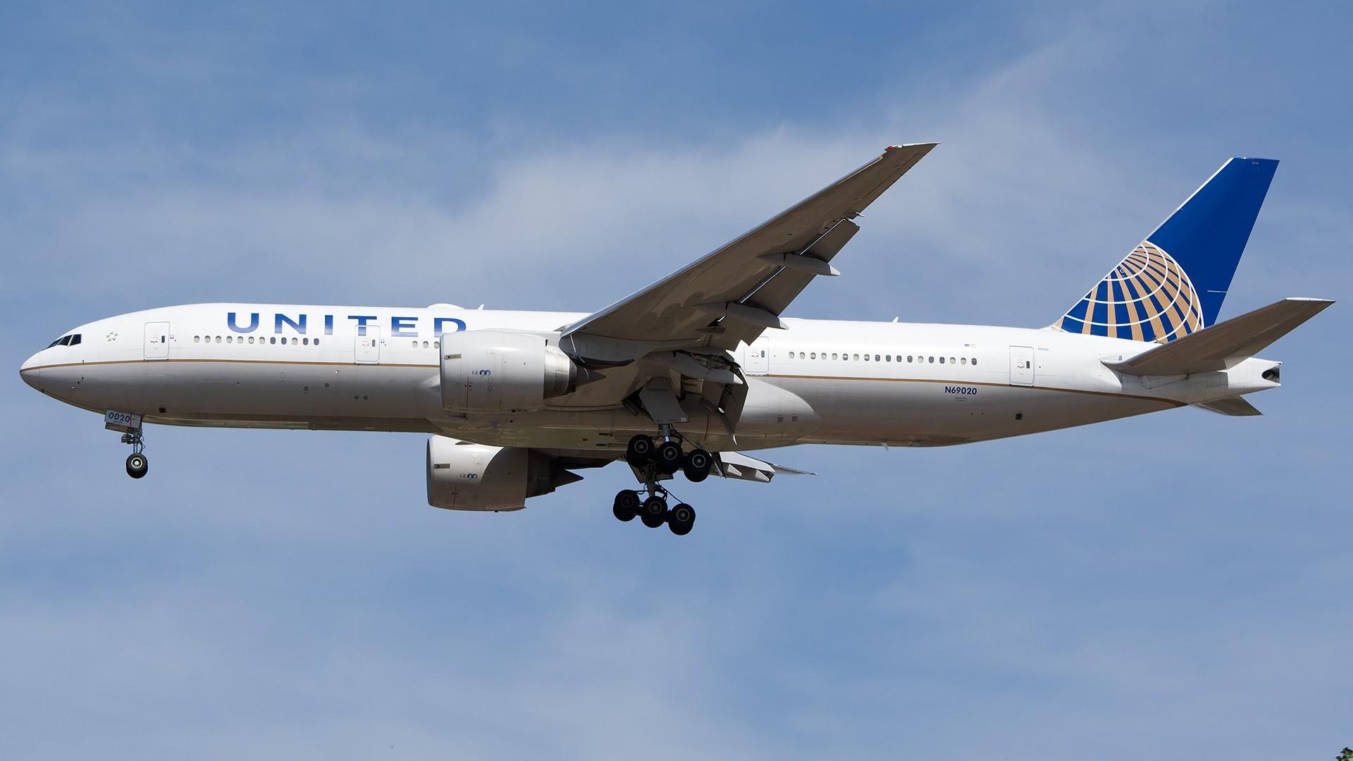 Re:[原创]PEK01午后两小时抓拍,其实是为AA的One World来的 BOEING 777-200 N69020 中国北京首都国际机场