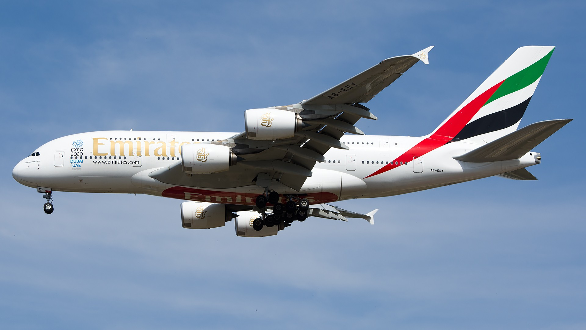 Re:[原创]PEK01午后两小时抓拍,其实是为AA的One World来的 AIRBUS A380-800 A6-EEY 中国北京首都国际机场