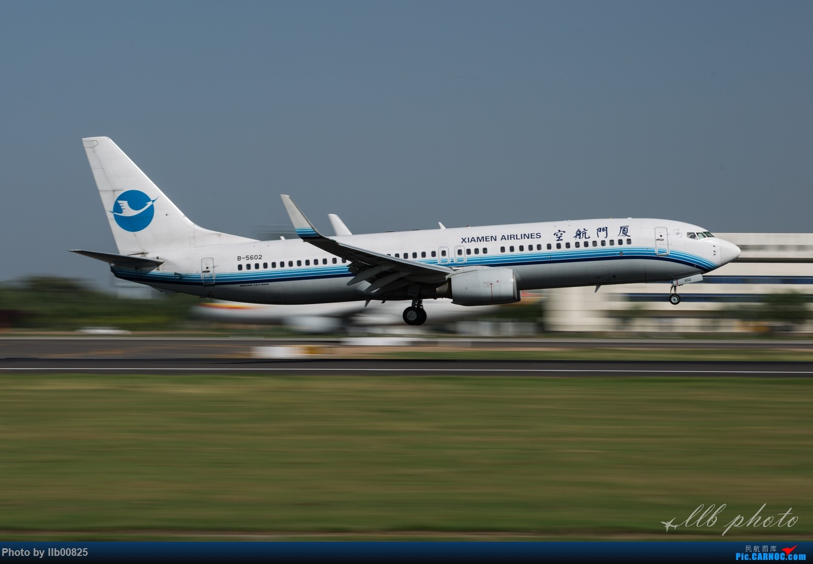 Re:[原创]XIY雨过天晴 BOEING 737-800 B-5602 中国西安咸阳国际机场