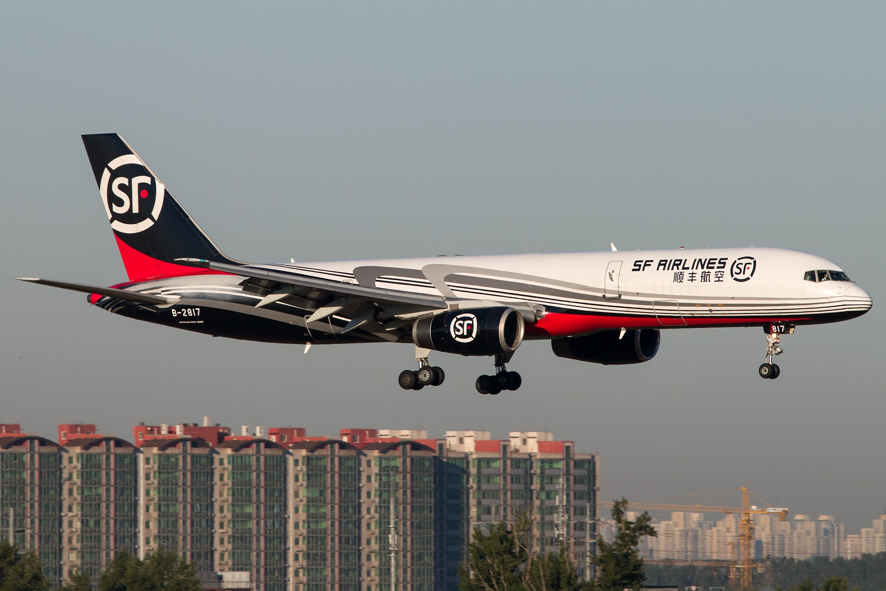 [原创]周末晨练10张 1800*1200 BOEING 757-200 B-2817 中国北京首都国际机场