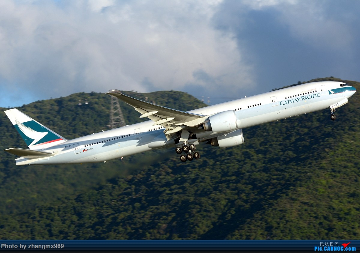 Re:[原创]香港拍机两天,烈日下膜拜维修区~~~多图~~~ BOEING 777-300ER B-KQO 中国香港赤鱲角国际机场