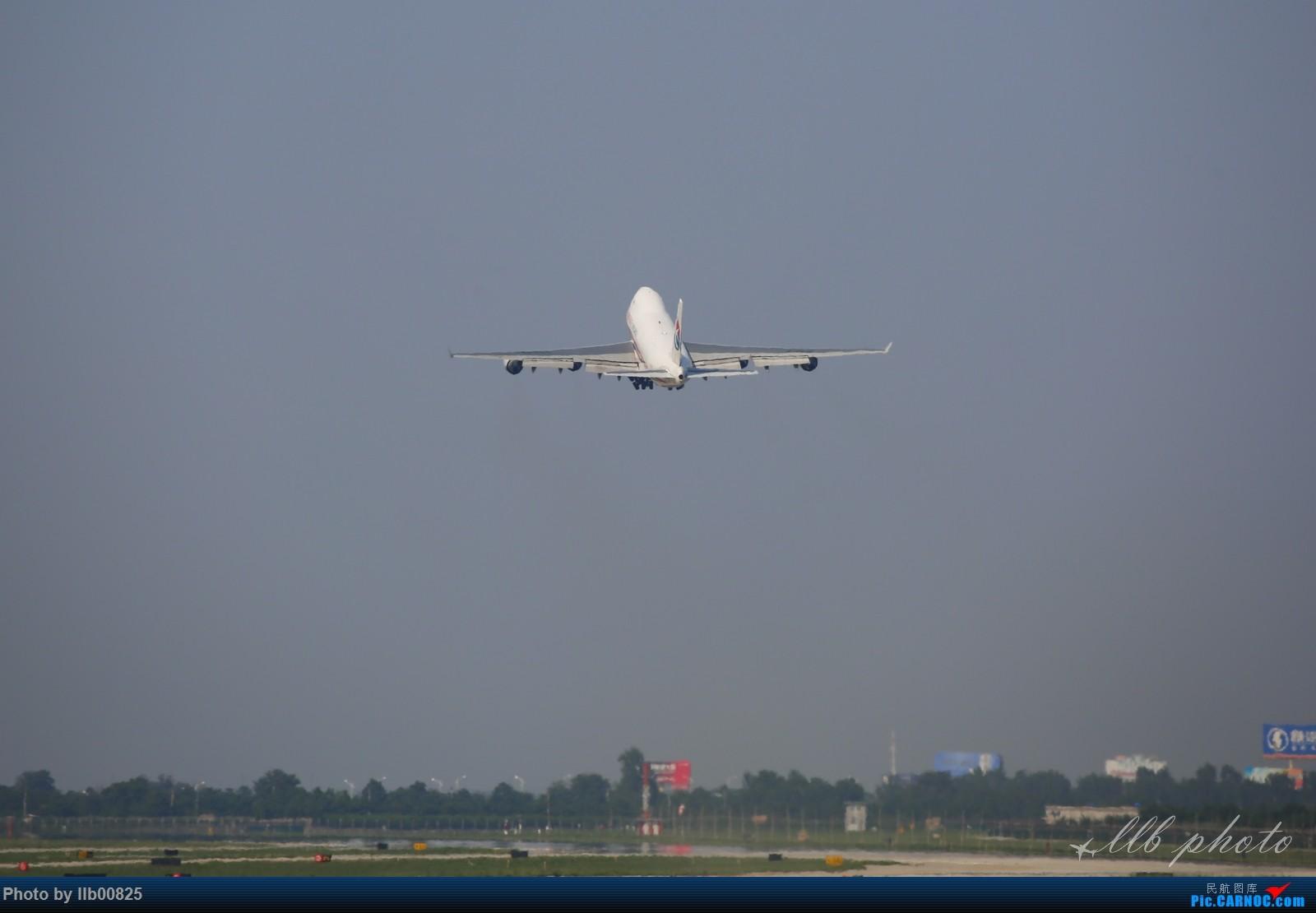 Re:[原创]XIY随拍——今天有硬货 BOEING 747-400 B-2426 中国西安咸阳国际机场
