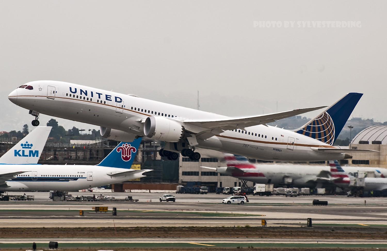 Re:[原创]【闲人伸少的小小世界19】一年半之后首次拍机,洛杉矶烂天中的国泰香港精神号,新装伊比利亚346,美联航789闪灯等等,附赠西雅图波特兰美景 BOEING 787-9 N19951 美国洛杉矶机场