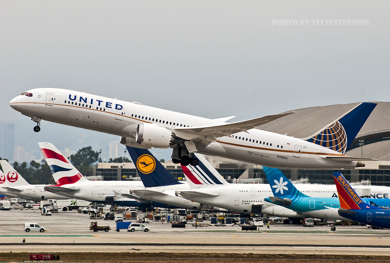 Re:[原创]【闲人伸少的小小世界19】一年半之后首次拍机,洛杉矶烂天中的国泰香港精神号,新装伊比利亚346,美联航789闪灯等等,附赠西雅图波特兰美景 BOEING 787-9 N38950 美国洛杉矶机场