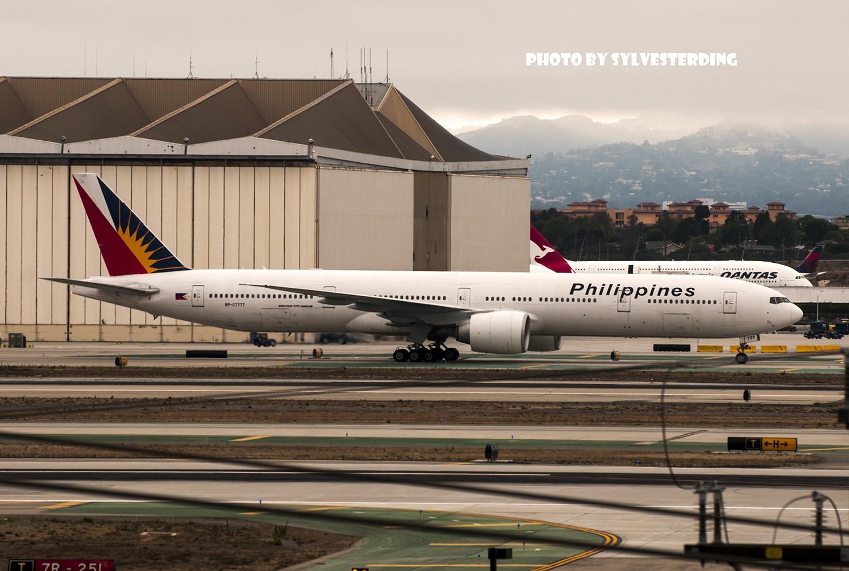 Re:[原创]【闲人伸少的小小世界19】一年半之后首次拍机,洛杉矶烂天中的国泰香港精神号,新装伊比利亚346,美联航789闪灯等等,附赠西雅图波特兰美景 BOEING 777-300ER RP-C7777 美国洛杉矶机场
