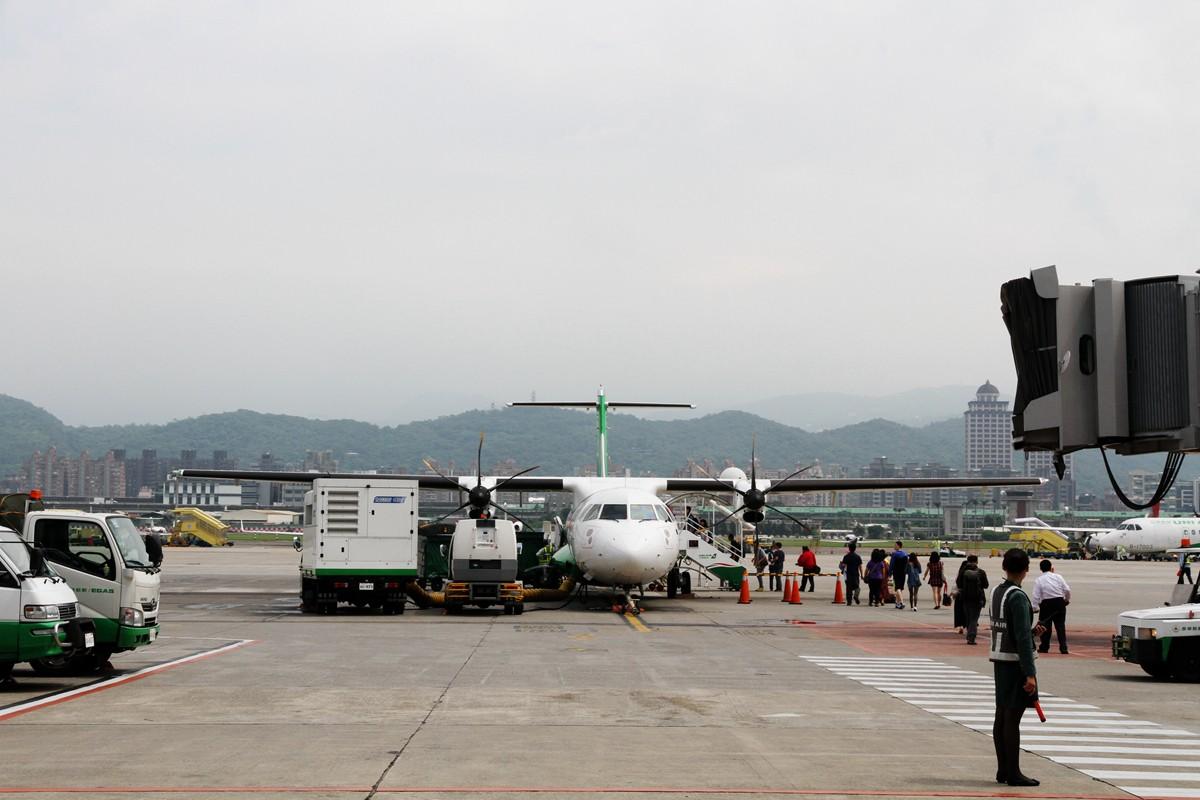 Re:[原创]主题:[原创]【星星游记:初临台湾岛,遥望太平洋(上)】体验华航343和复兴ART72,品味台湾铁路文化,尽享宝岛饕餮美食 ATR-72 B-17009 中国台北松山国际机场