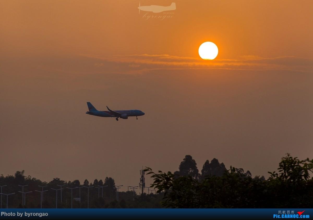 [原创]夜幕下的CTU二跑道.....    中国成都双流国际机场