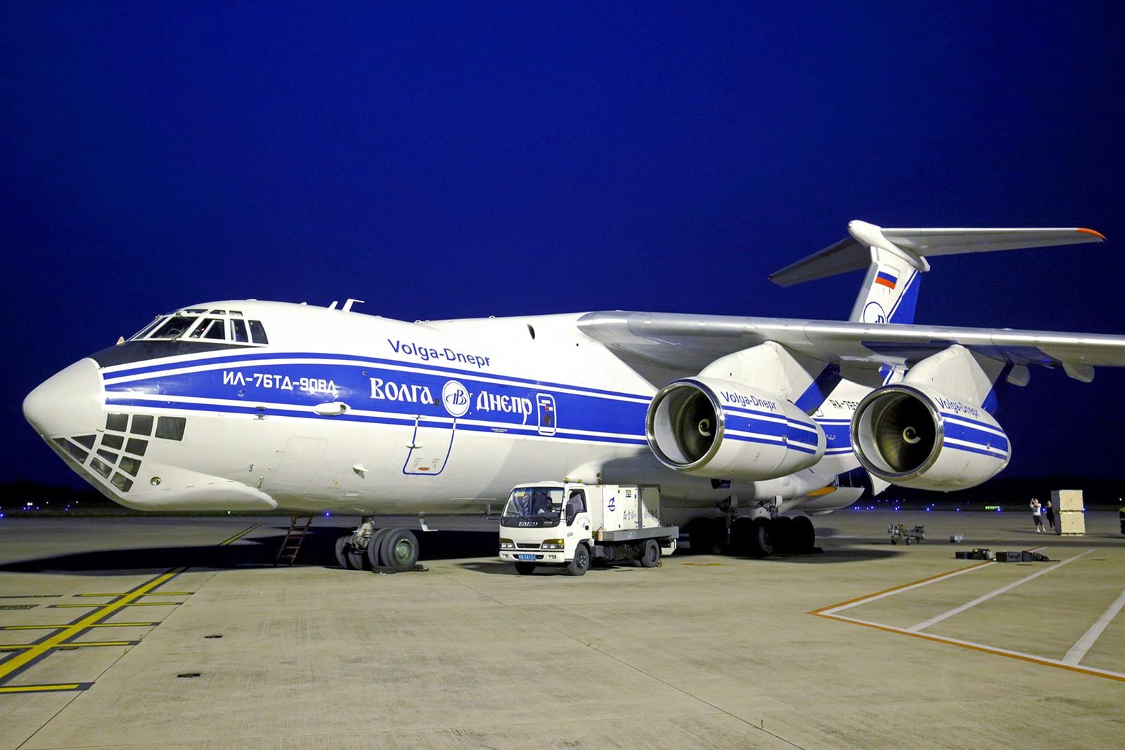 [原创]【BLDDQ】******空哥要求的IL76-TD-90VD套图,高清的没有,不容易见到的有点****** ILYUSHIN IL-76-TD-90VD RA-96503 中国南京禄口国际机场