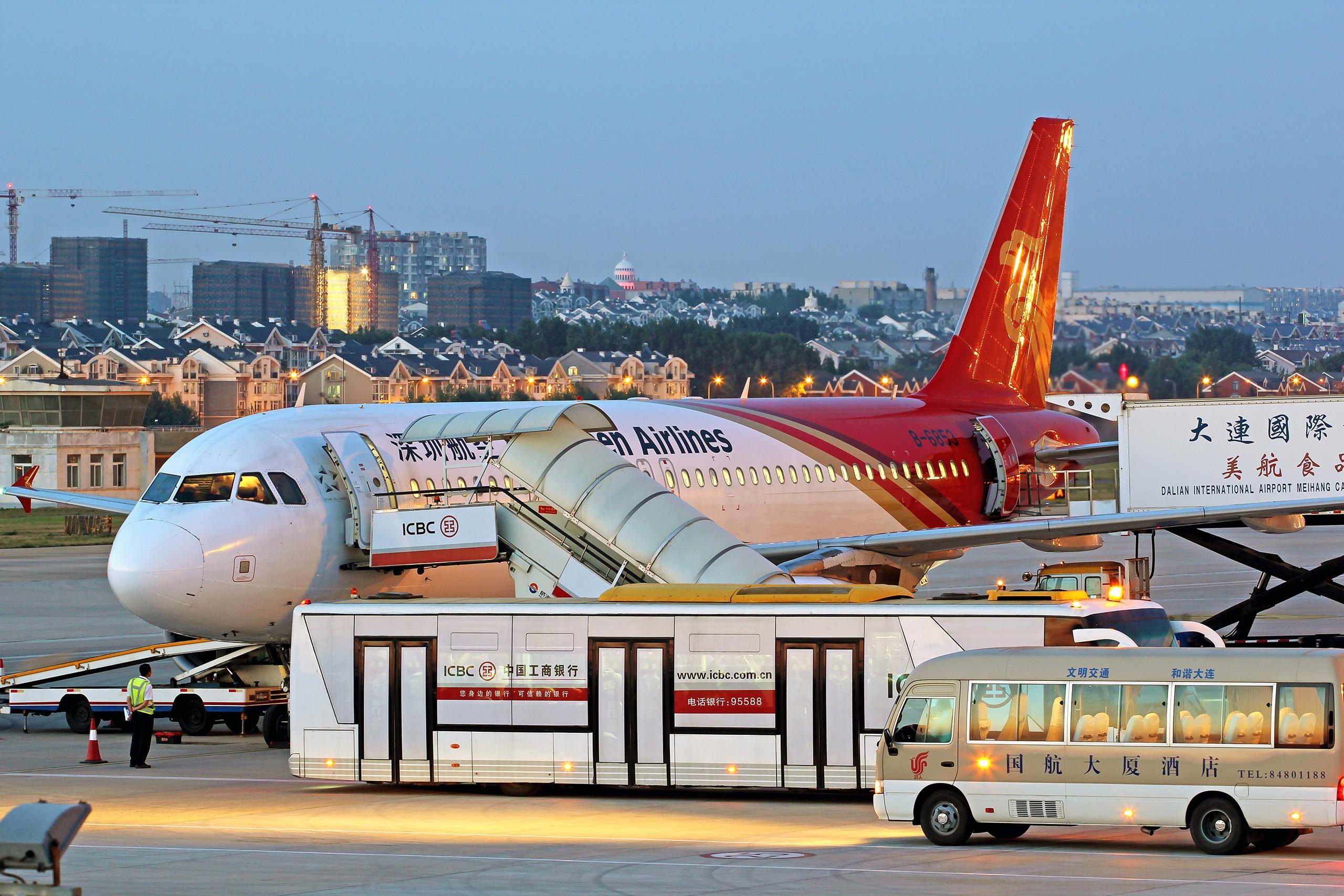 Re:[原创][DLC]...窄体机...2560x1707}Pix AIRBUS A320-200 B-6853 中国大连周水子国际机场