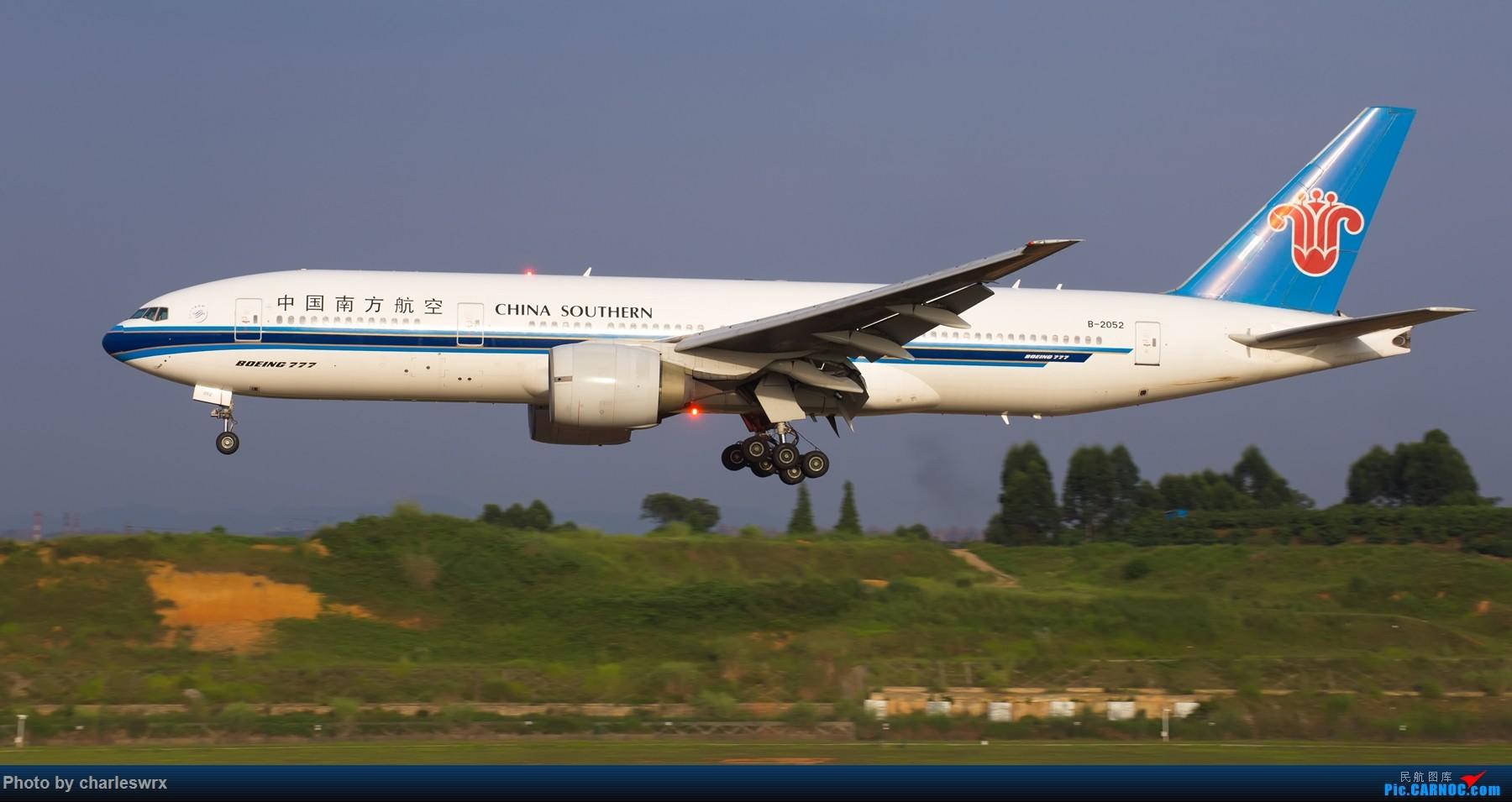 Re:[原创]夕阳余晖下的CTU BOEING 777-200 B-2052 中国成都双流国际机场