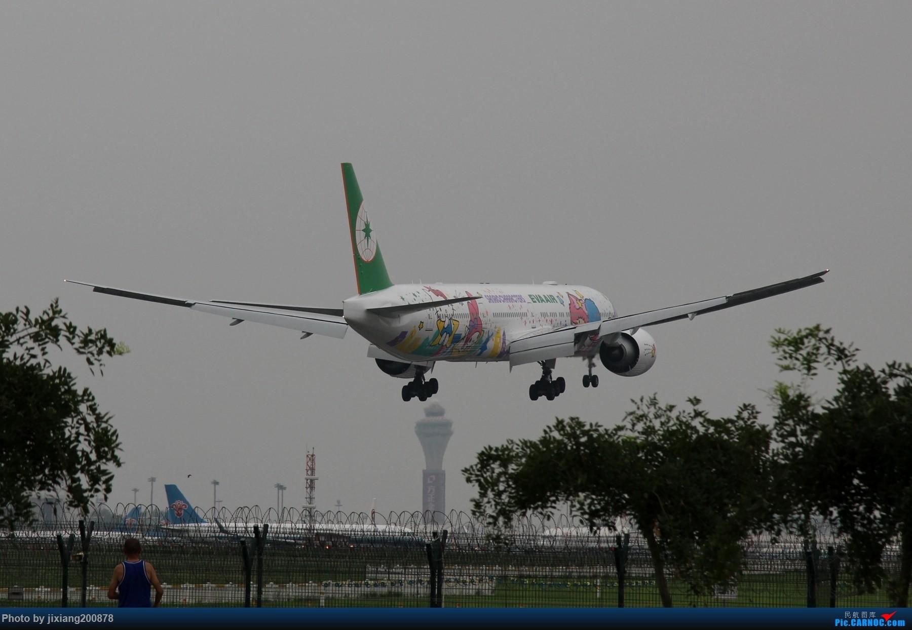 Re:7.28 PEK看拉烟儿 BOEING 777-300ER B-16722 中国北京首都国际机场