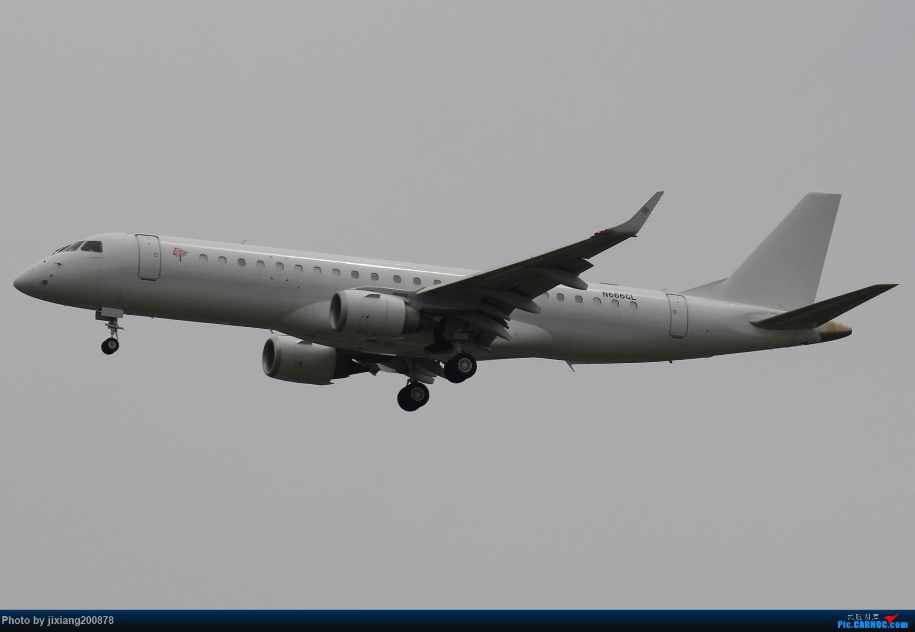 Re:[原创]7.28 PEK看拉烟儿 EMBRAER E-190 N666GL 中国北京首都国际机场