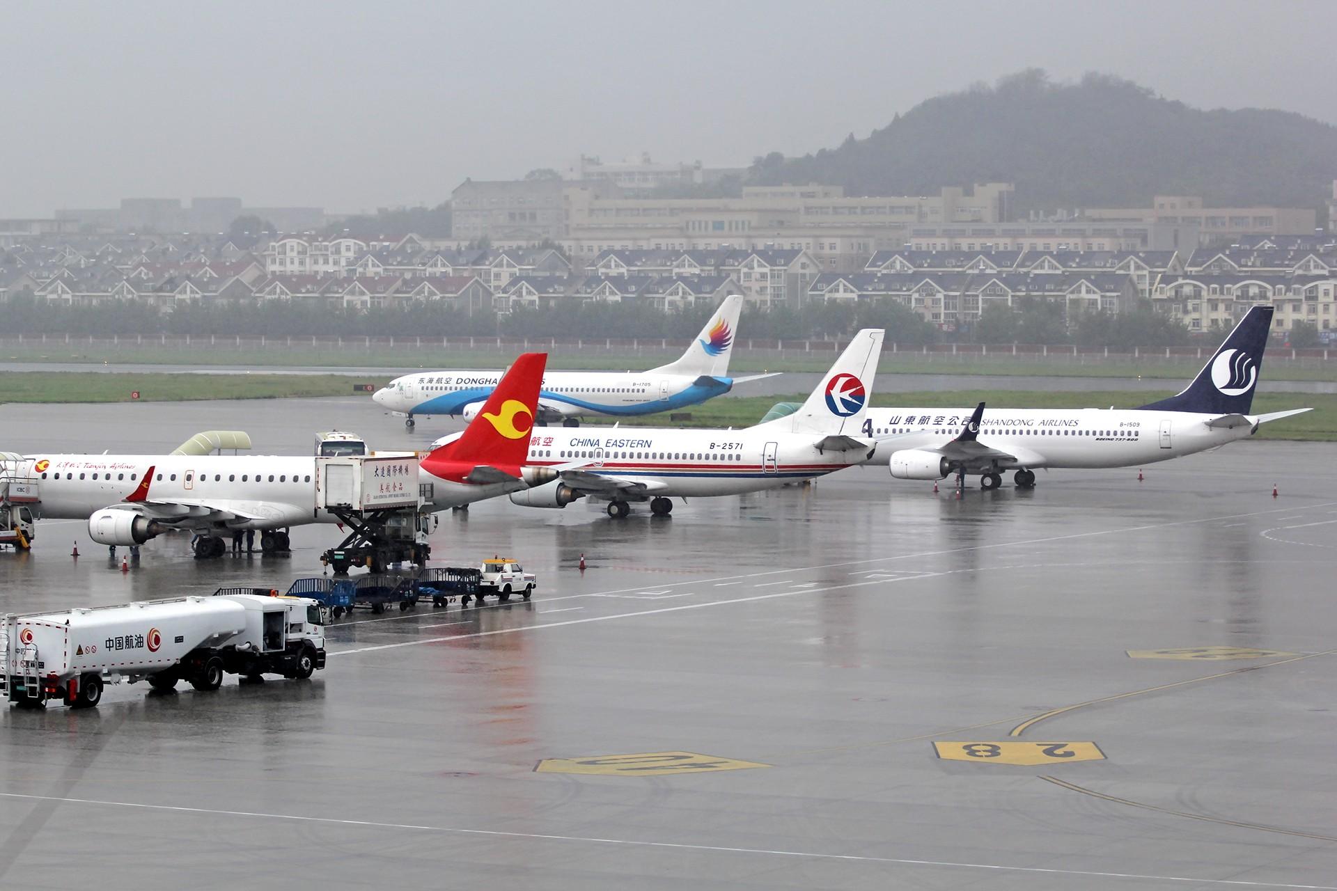 Re:[原创][DLC]。。。雨天试镜,图渣。。。    中国大连周水子国际机场