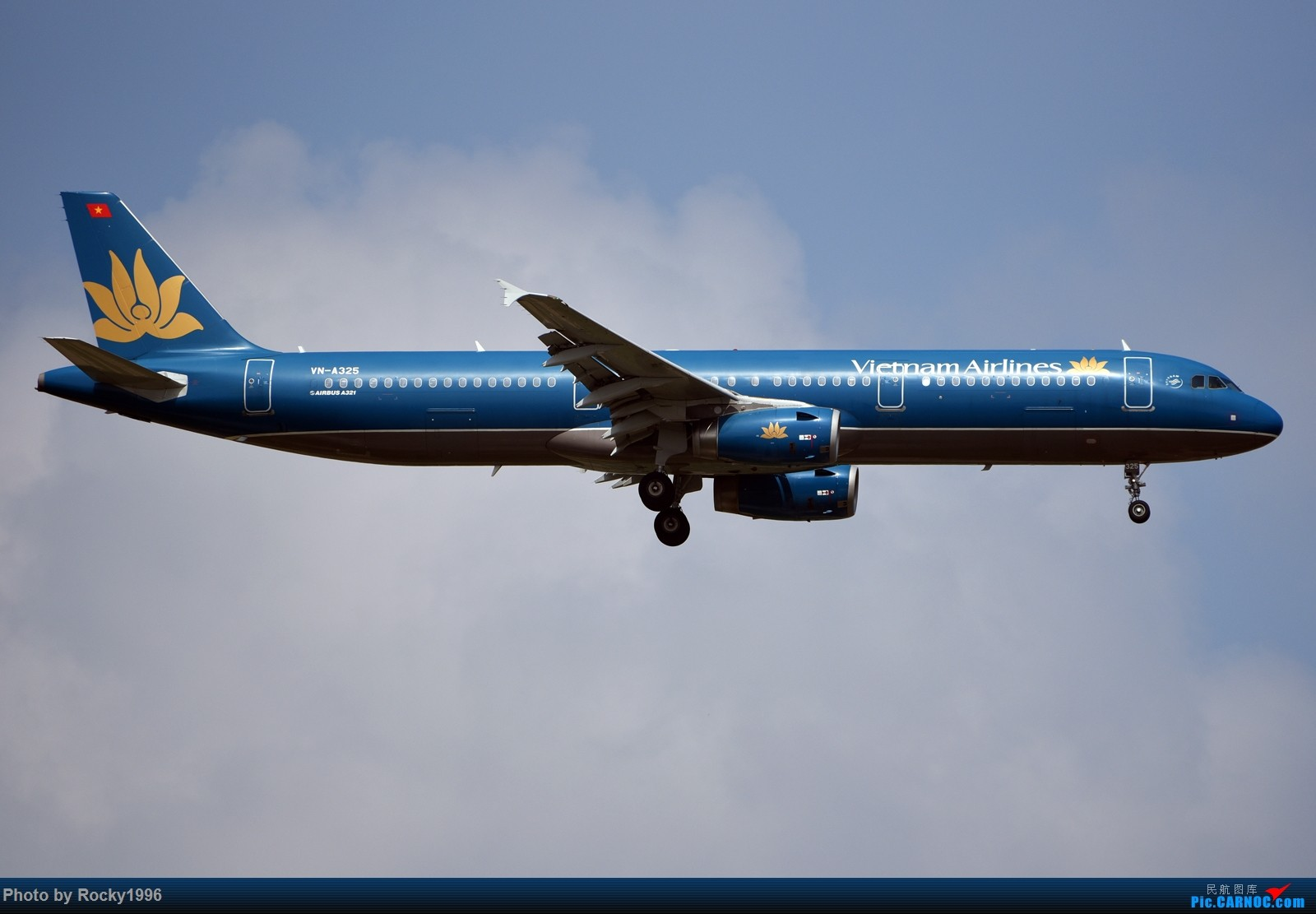 Re:[原创]浦东好天,就要胖子棍子一把抓!! AIRBUS A321-200 VN-A325 中国上海浦东国际机场