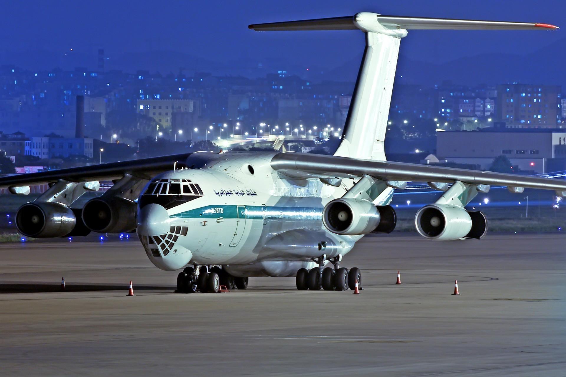 [原创][DLC]... 阿尔及利亚空军... IL76-TD 璀璨星昼夜 ILYUSHIN IL-76-TD 7T-WIE 中国大连周水子国际机场