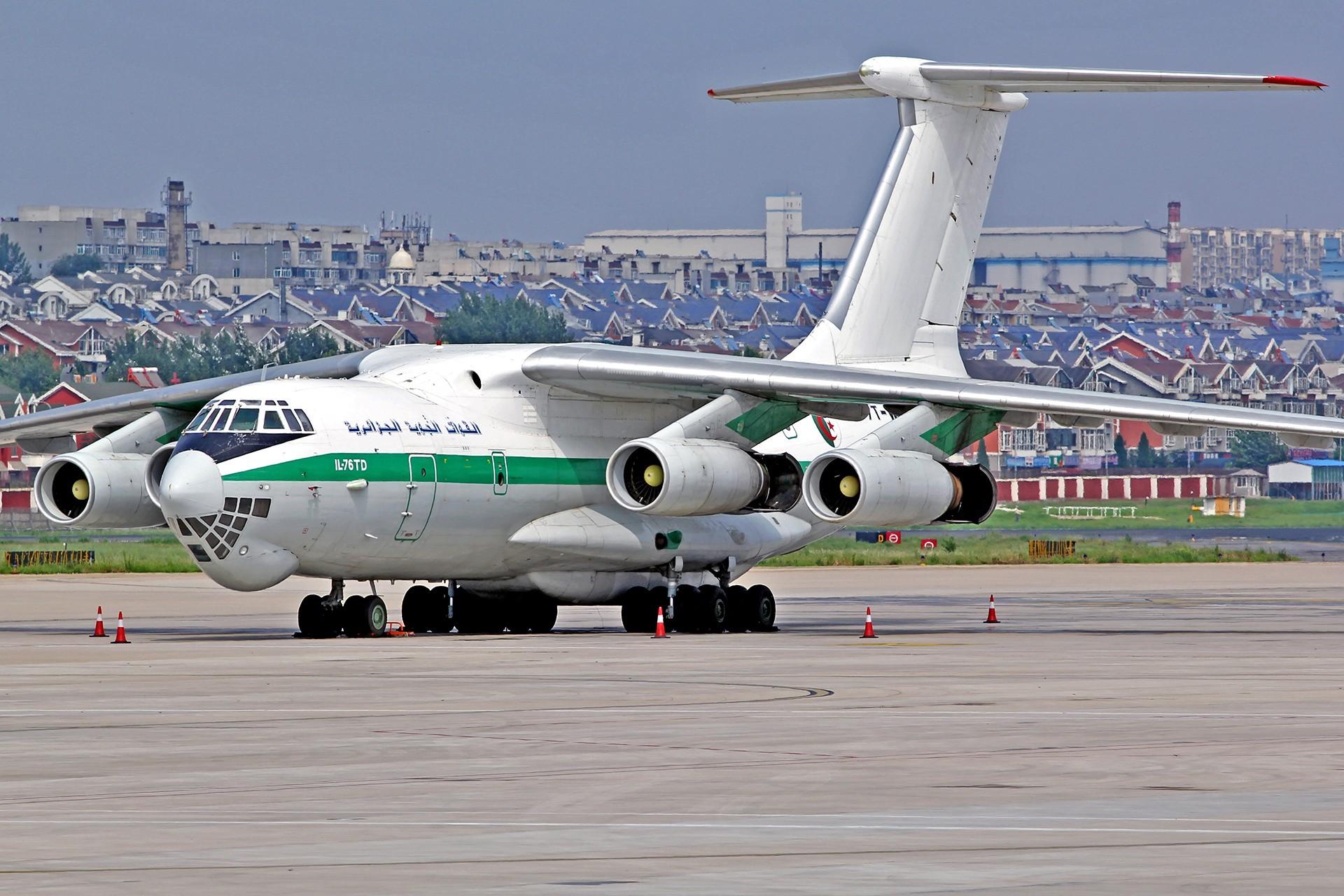 Re:[原创][DLC]... 阿尔及利亚空军 IL-76TD…璀璨星昼夜 ILYUSHIN IL-76-TD 7T-WIE 中国大连周水子国际机场