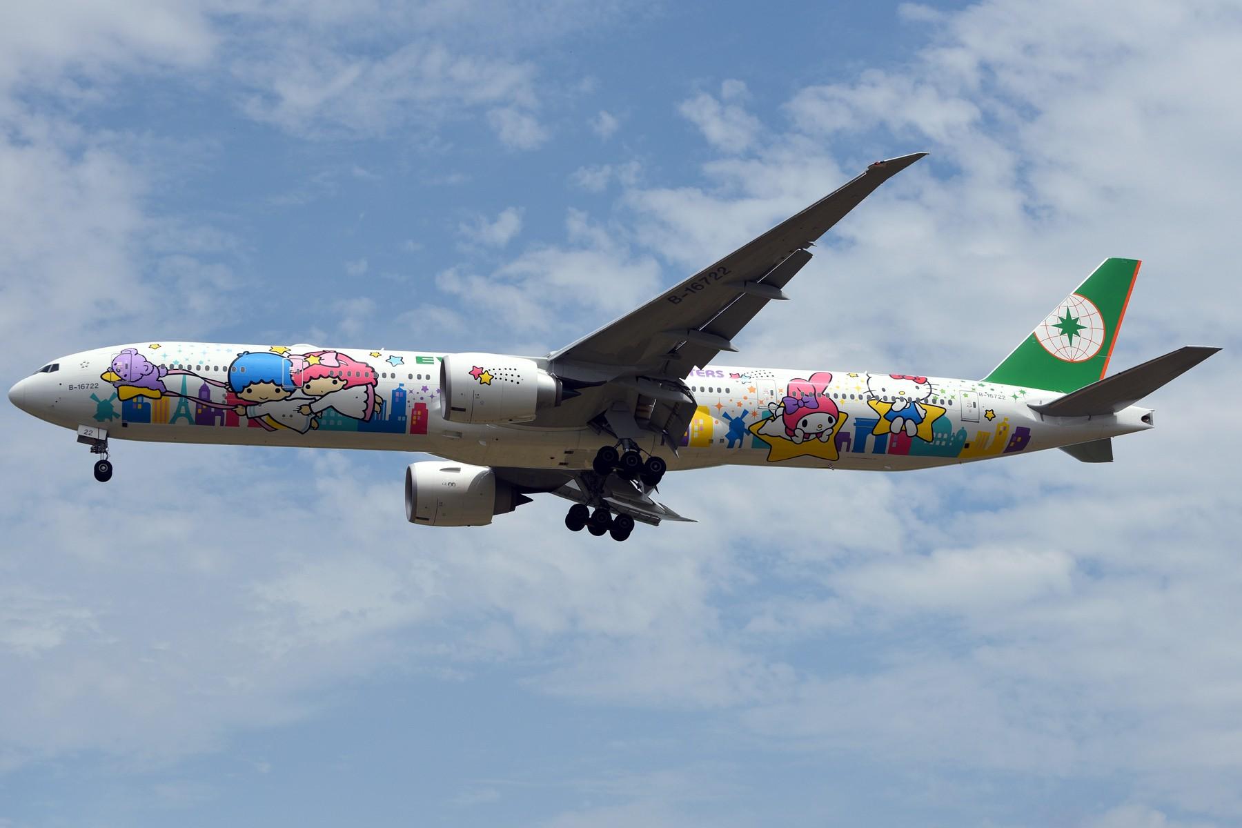 【我是一图党】【1800*1200】好大一只喵!长荣航空B-16722 Hello Kitty星空机光临浦东机场 BOEING 777-300ER B-16722 中国上海浦东国际机场