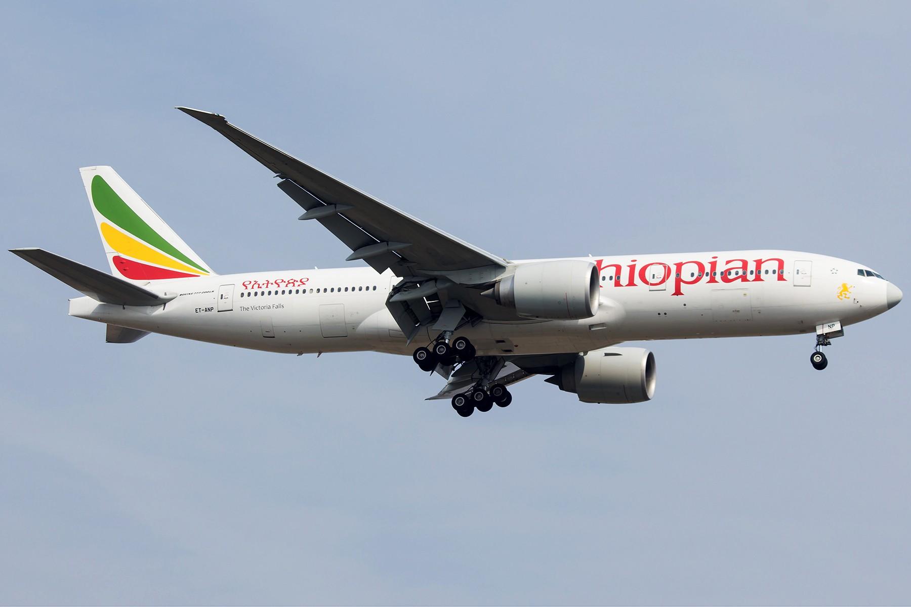 Re:[原创]【1800*1200】浦 东 是 个 大 机 场 BOEING 777-200LR ET-ANP 中国上海浦东国际机场