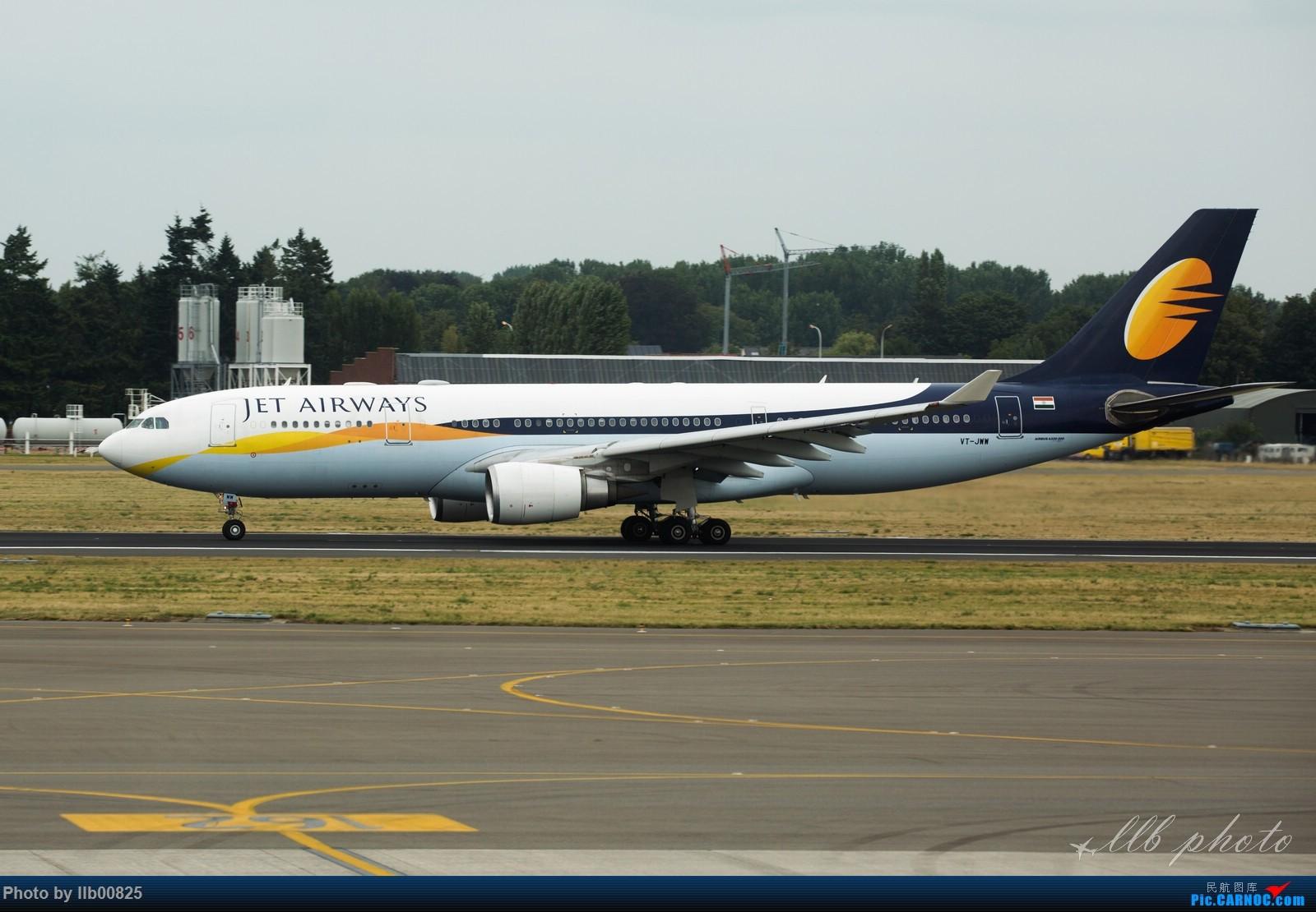 Re:[原创]赫尔辛基-布鲁塞尔一些杂图 AIRBUS A330-200 VT-JWW 比利时布鲁塞尔机场