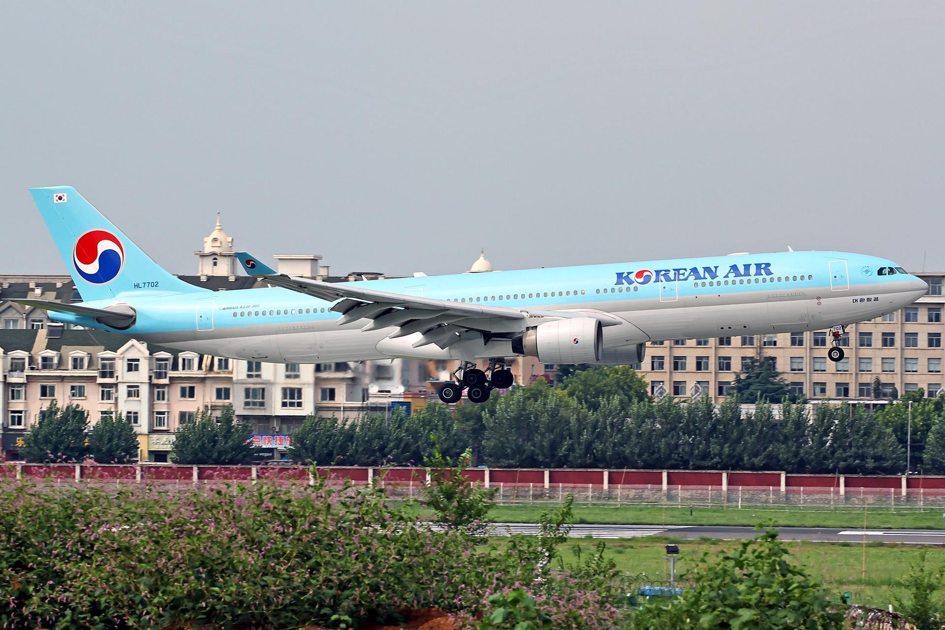 Re:[原创][DLC]。。。皇军与美女。。。 AIRBUS A330-300 HL7702 中国大连国际机场