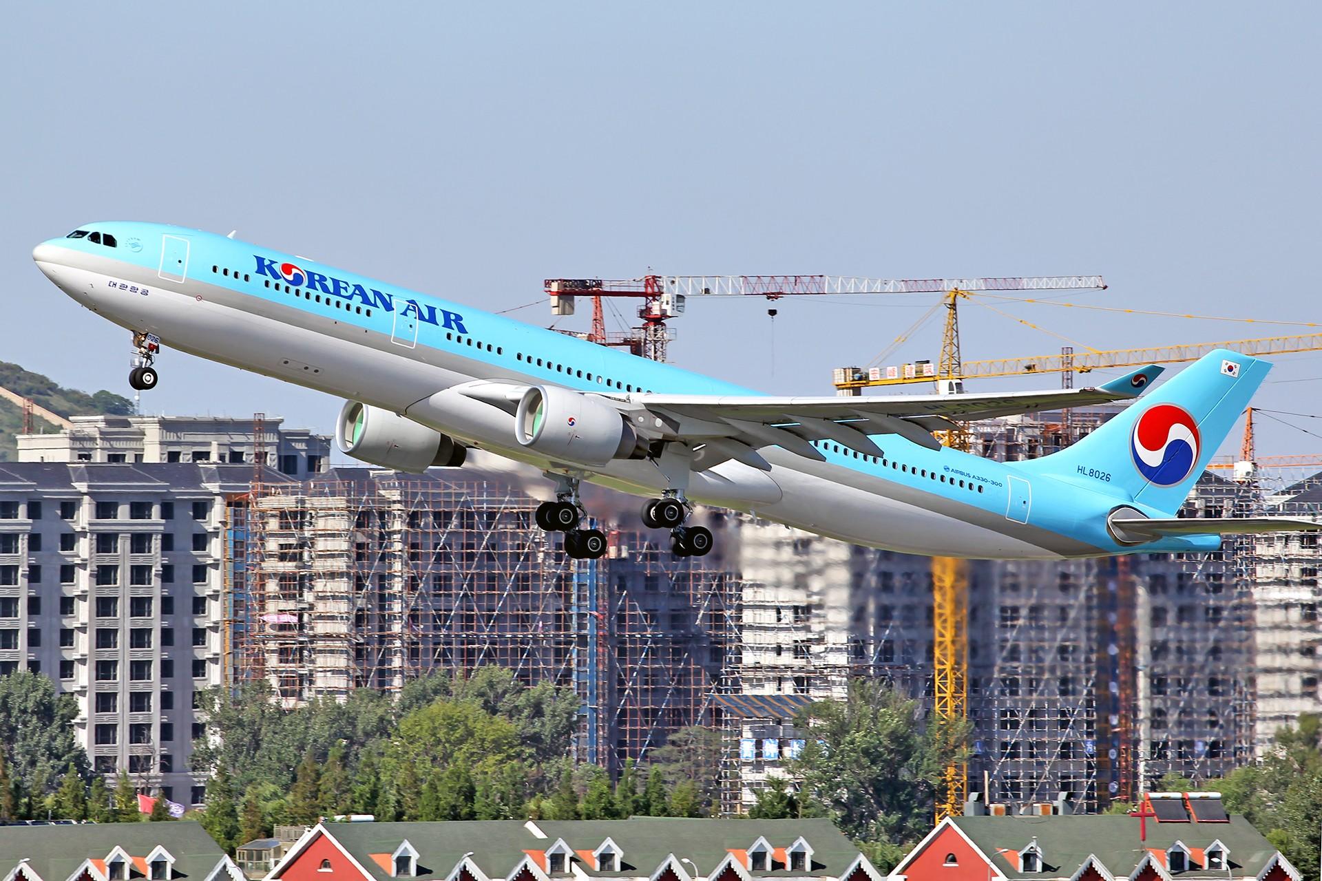 Re:[原创][DLC]。。。皇军与美女。。。 AIRBUS A330-300 HL8206 中国大连国际机场