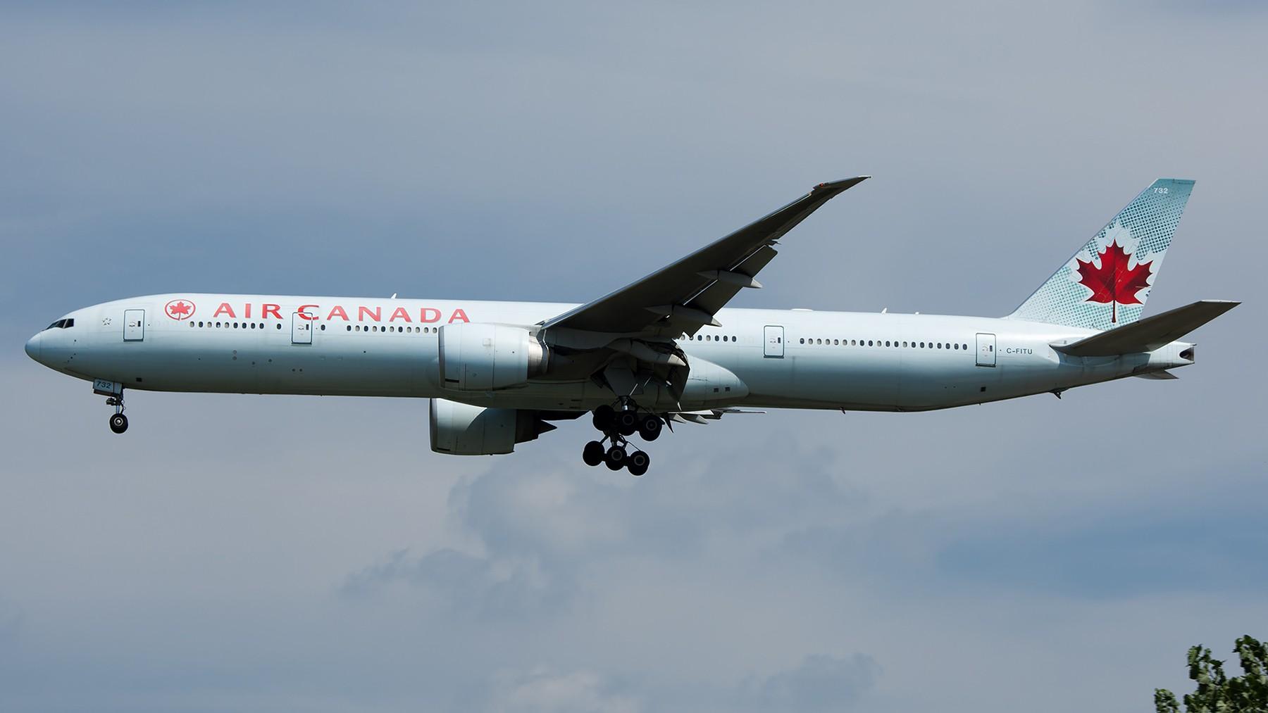 Re:[原创]终于放假了,出来冒个泡,随便发几张 BOEING 777-300ER C-FITU 中国北京首都国际机场