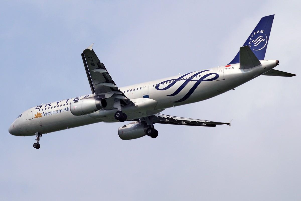 Re:[原创]上海这么好的天却不能去拍机简直太浪费了,只能发点渣图 AIRBUS A321-231 VN-A327 中国上海浦东国际机场