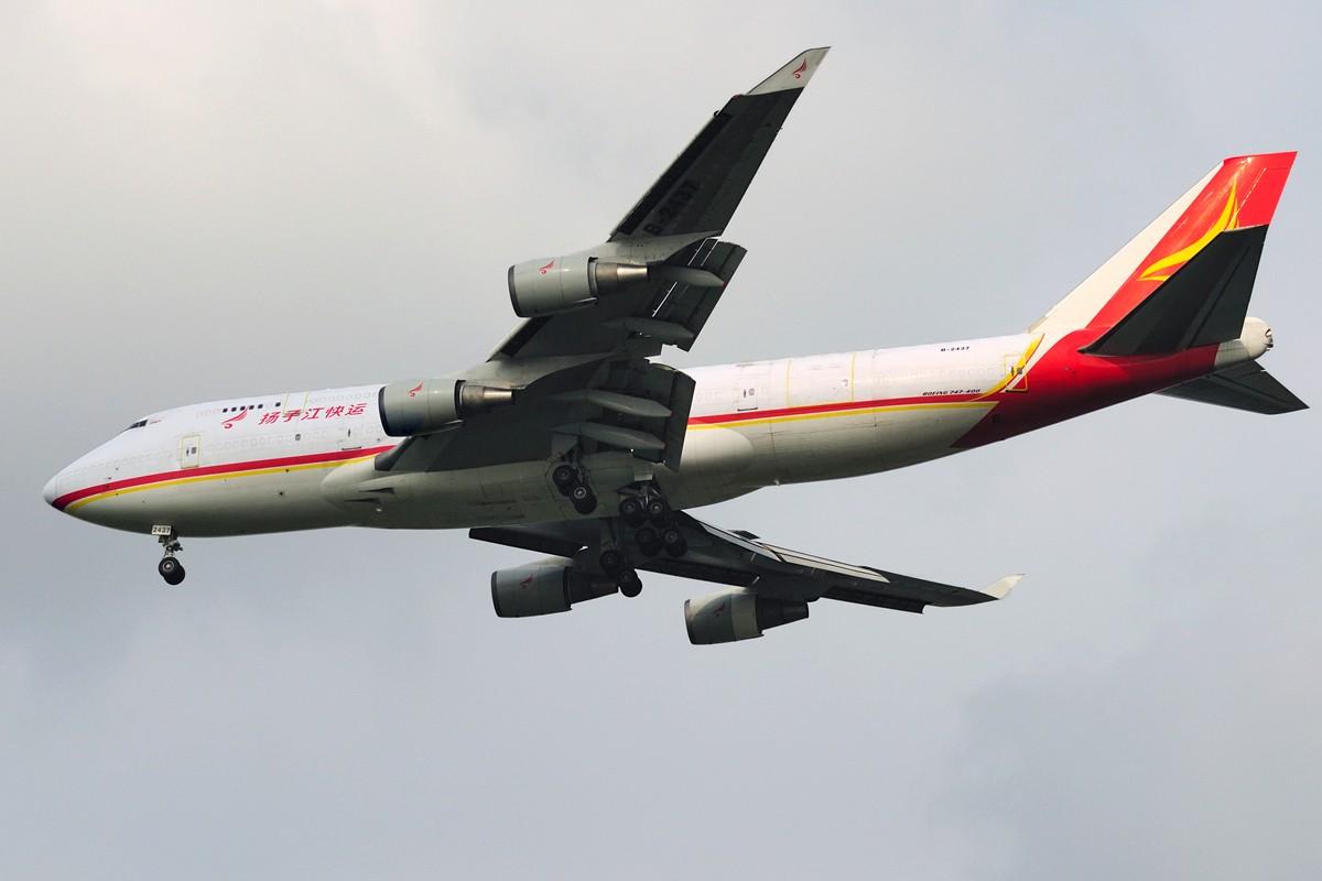 Re:[原创]上海这么好的天却不能去拍机简直太浪费了,只能发点渣图 BOEING 747-400 B-2437 中国上海浦东国际机场
