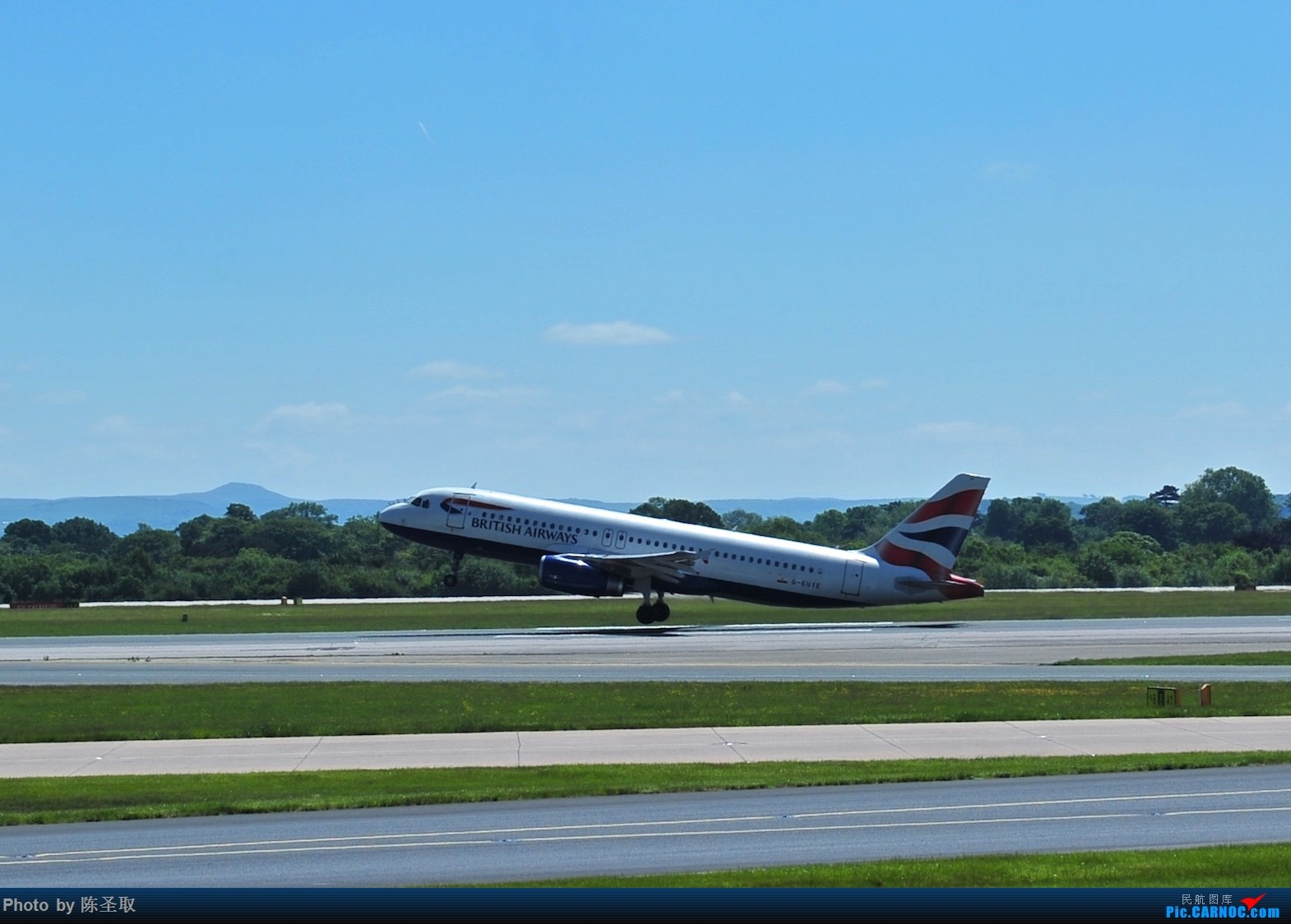 [原创]迟来的6月曼城拍机图。廉价航空的天堂,曼彻斯特机场~ AIRBUS A320-232 G-EUYE 英国曼彻斯特机场