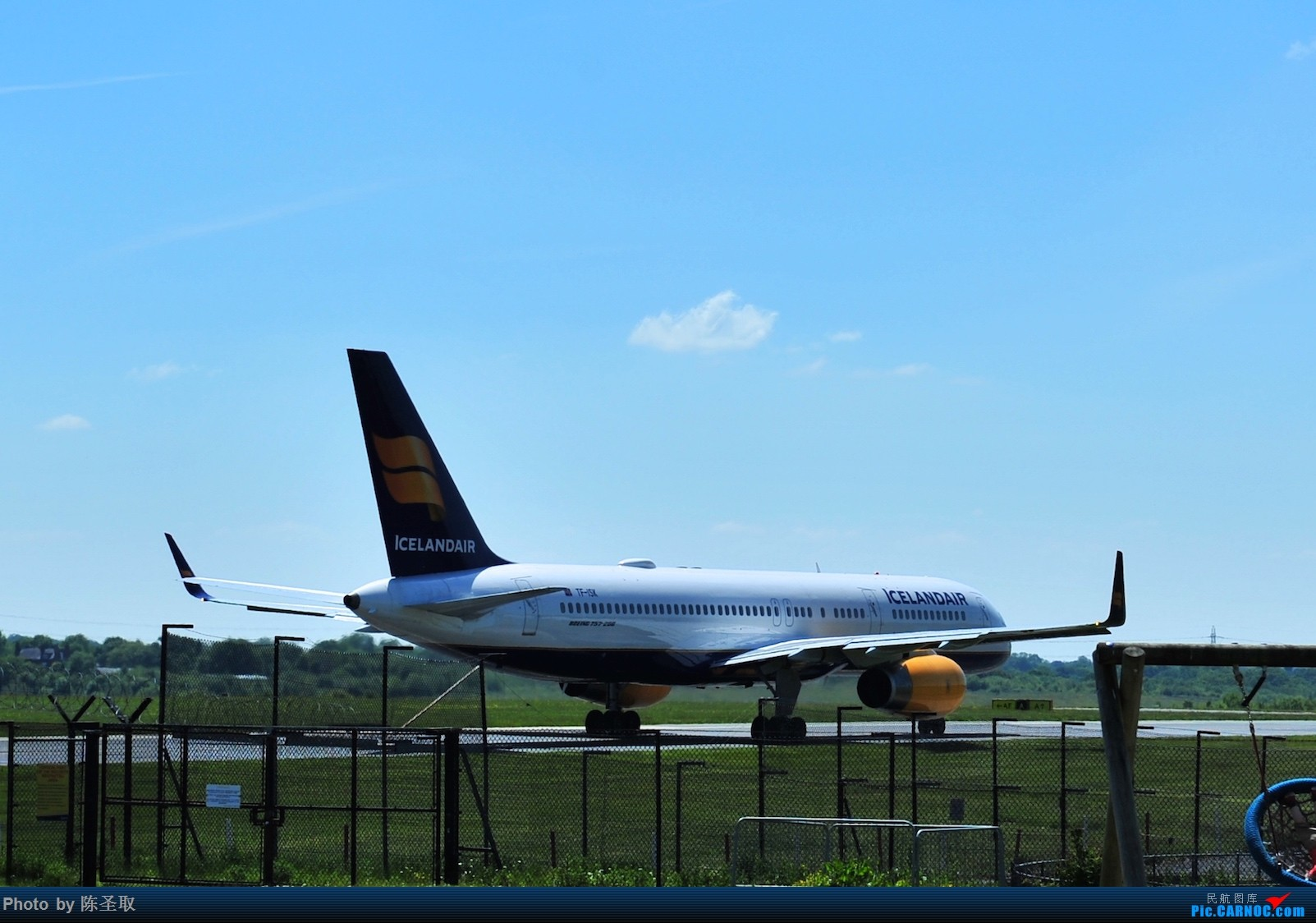 Re:[原创]迟来的6月曼城拍机图。廉价航空的天堂,曼彻斯特机场~ BOEING 757-223(W) TF-ISK 英国曼彻斯特机场