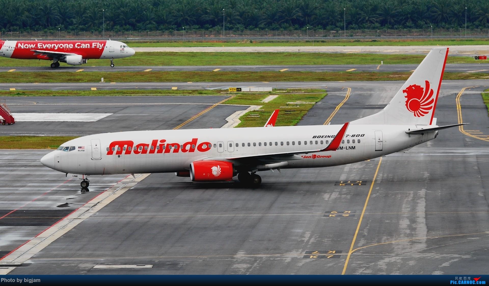 [原创]刚升级到B737级 那就发点拍过的B737吧 B737-800 9M-LNM 马来西亚吉隆坡机场