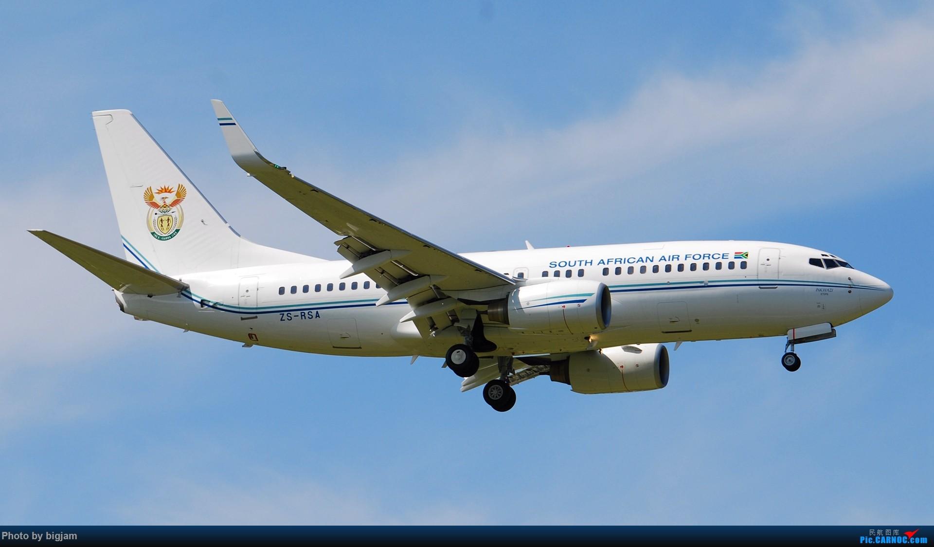 Re:[原创]刚升级到B737级 那就发点拍过的B737吧 BOEING 737-700  中国北京首都国际机场