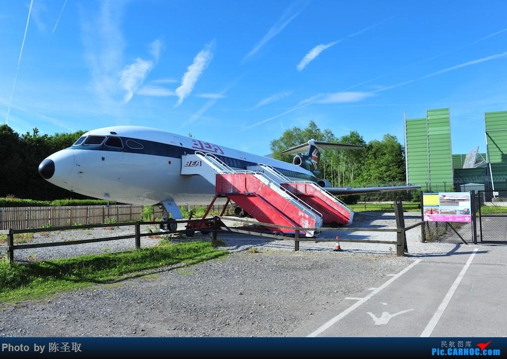 Re:[原创]迟来的6月曼城拍机图。廉价航空的天堂,曼彻斯特机场~    英国曼彻斯特机场