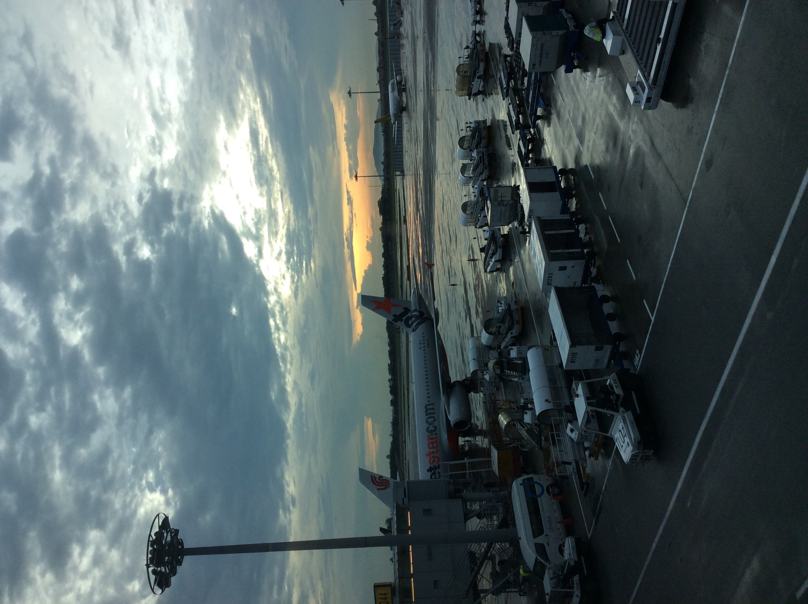 Re:[原创]SIN的天气棒棒哒(图片可能略大,建议用移动设备浏览)    新加坡樟宜机场