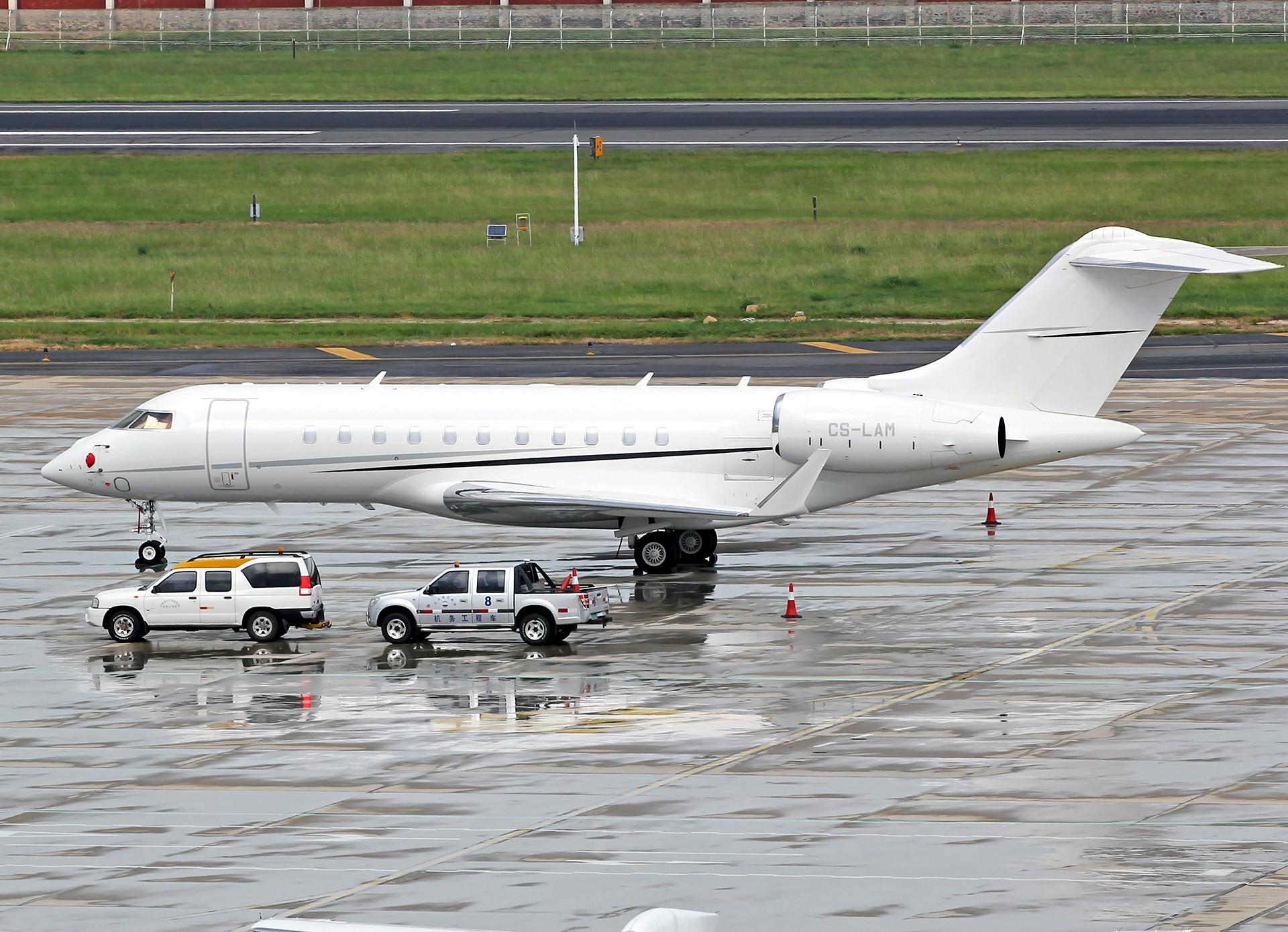 Re:[原创][DLC]。。。达沃斯公务机。。。 BOMBARDIER GLOBAL 5000 CS-LAM 中国大连国际机场