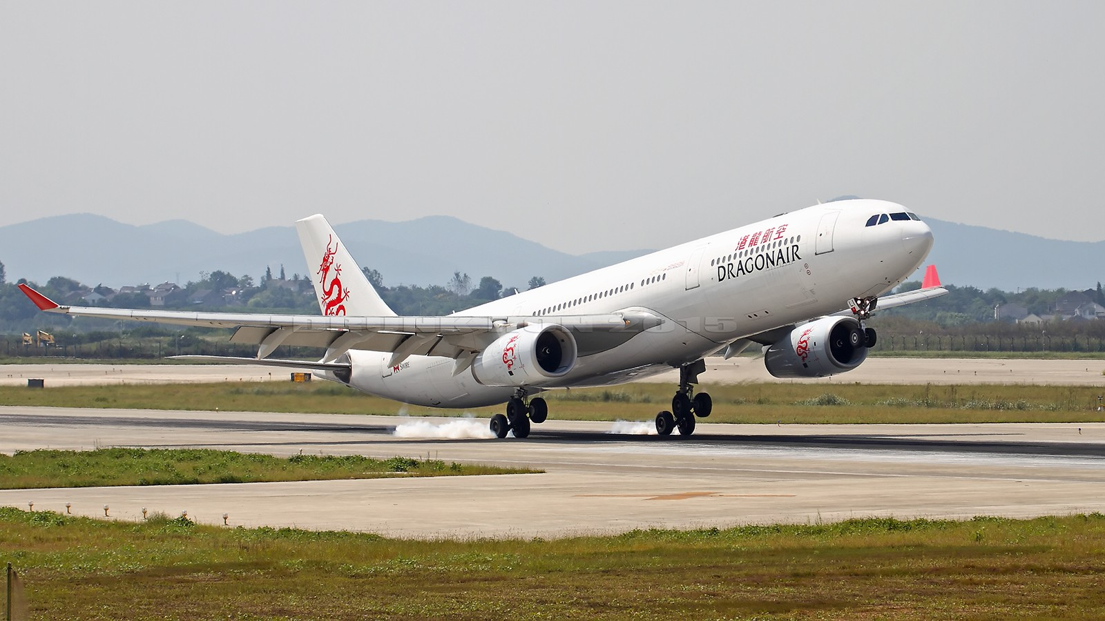 Re:[原创]NKG~暑假结束~周日只能去记录日常了~ AIRBUS A330-300 B-HLI 中国南京禄口国际机场