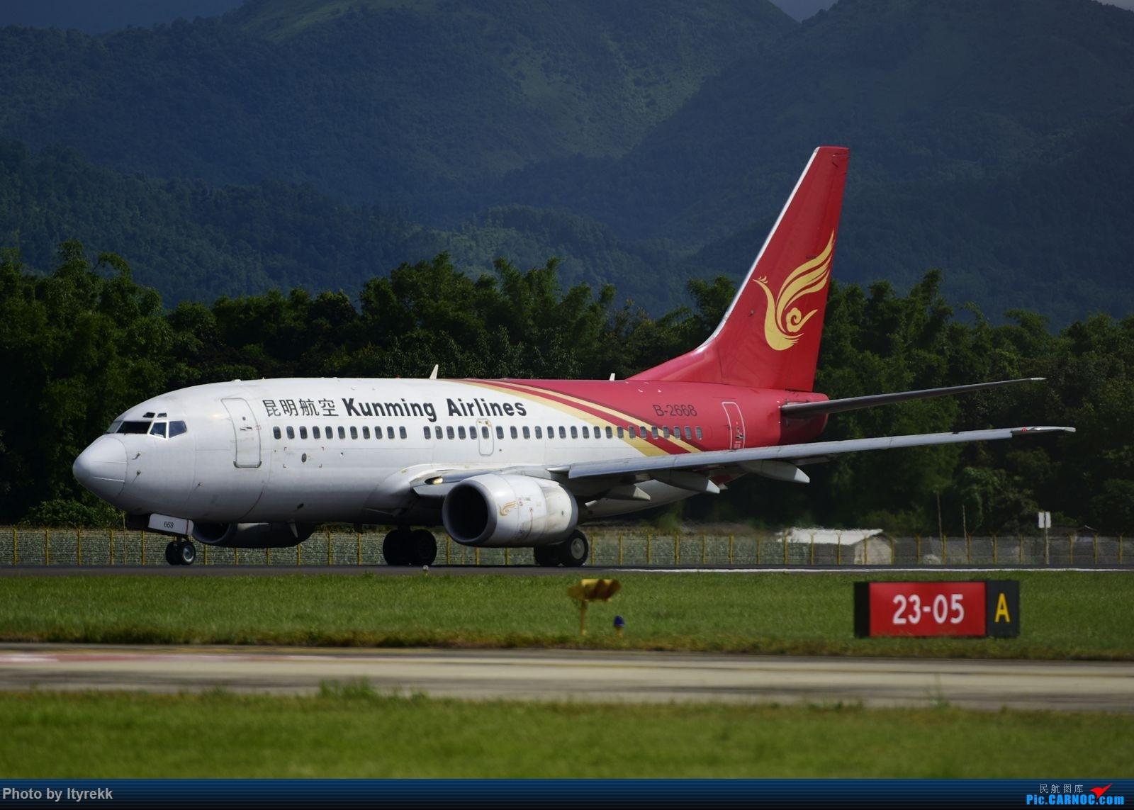 Re:[原创]【LUM】碰巧今日有空,修得几张图。 BOEING 737-700 B-2668 中国芒市机场