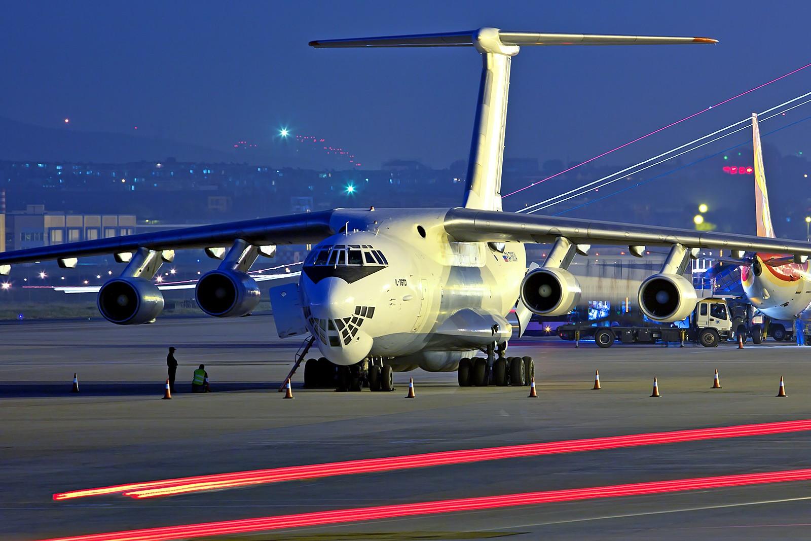 第一改�(9k�9��yd�yil_俄罗斯第二架ra-76834 il-76td,第一架ra-76834 il-76td于1997.01.